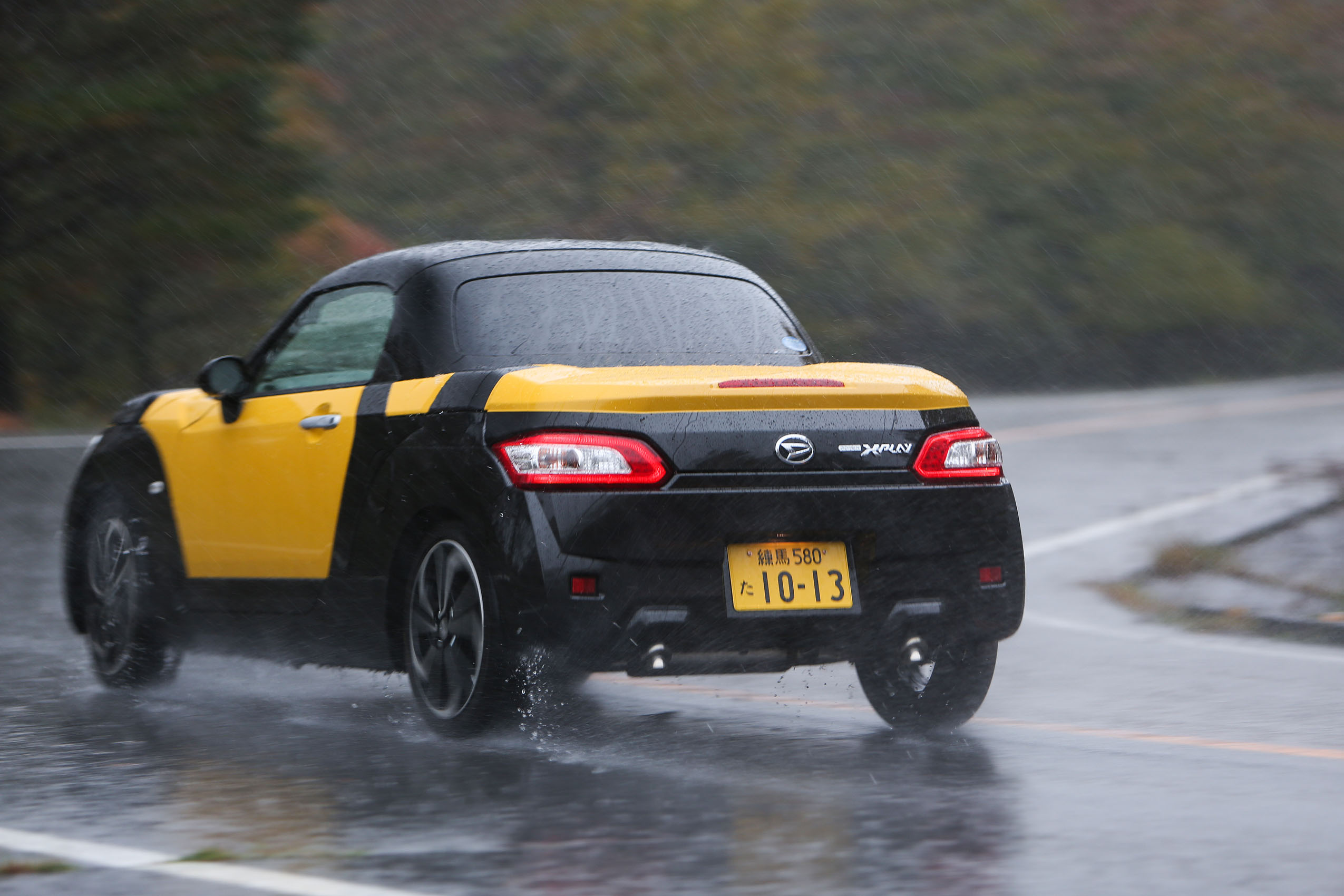 Japans Micro Sports Cars Honda And Daihatsu Kei Cars Driven - Really nice sports cars