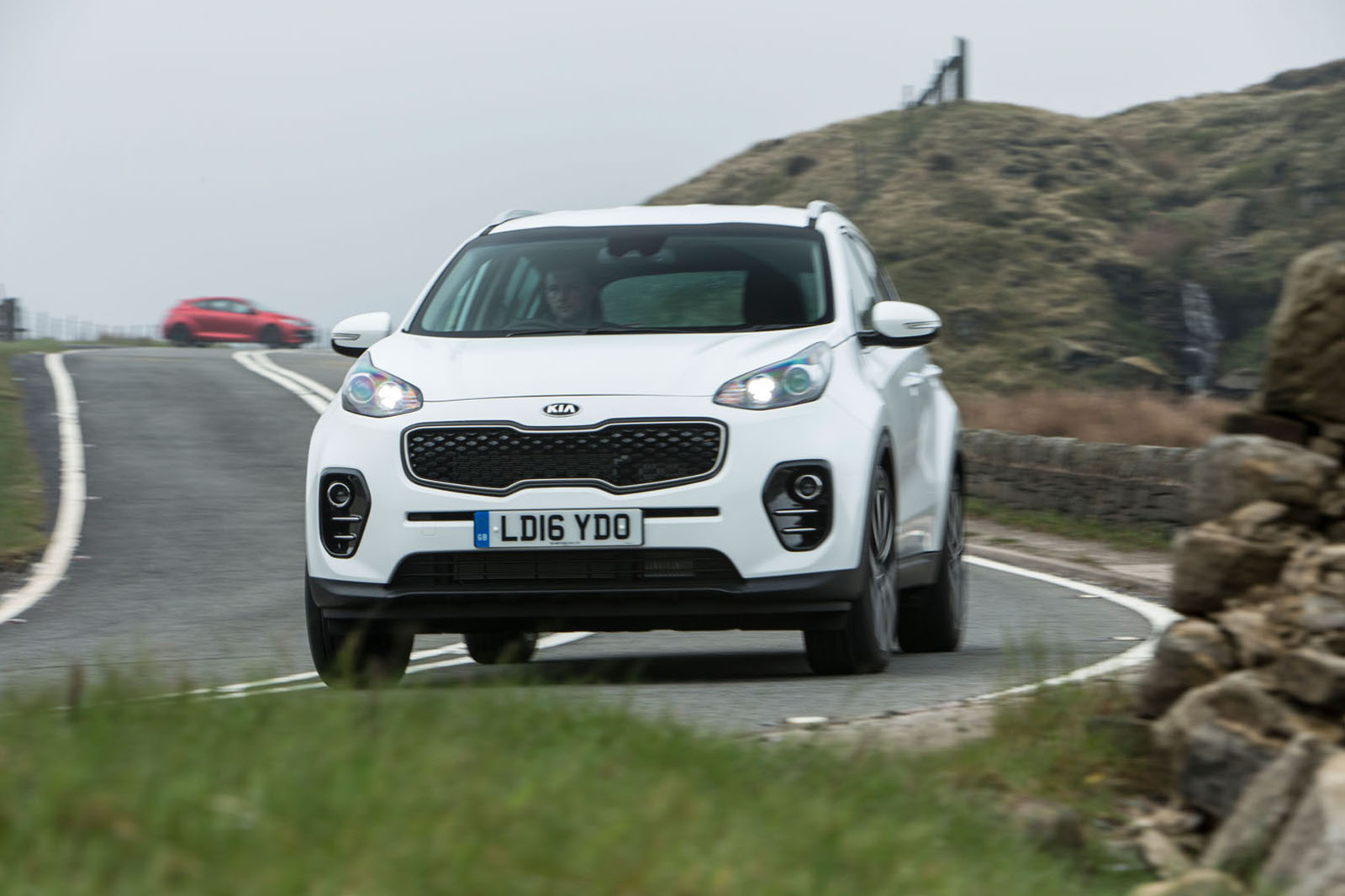 suv new of pictures first small stonic kia official