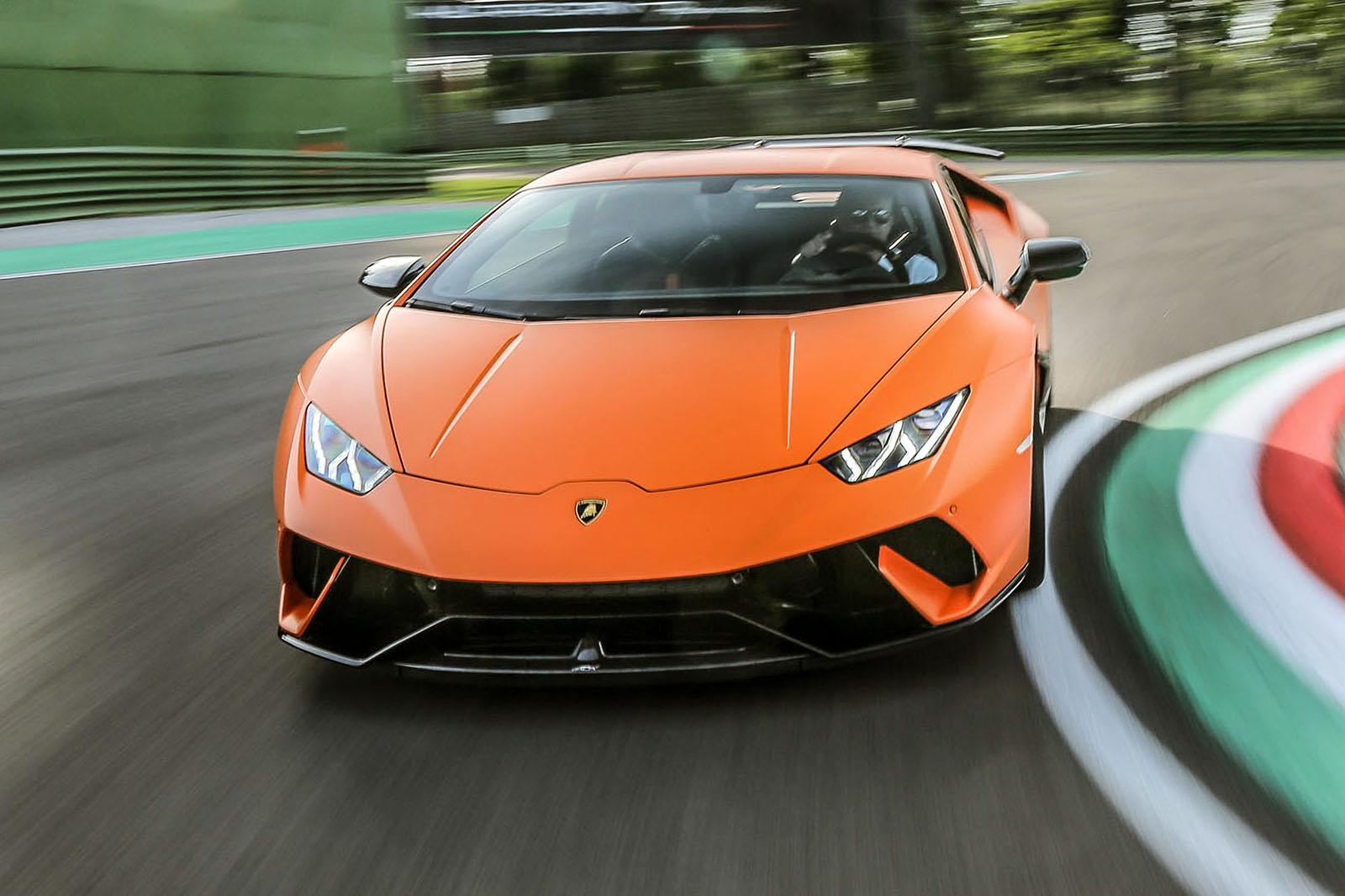 Lamborghini Huracan Performante 2017 review | Autocar