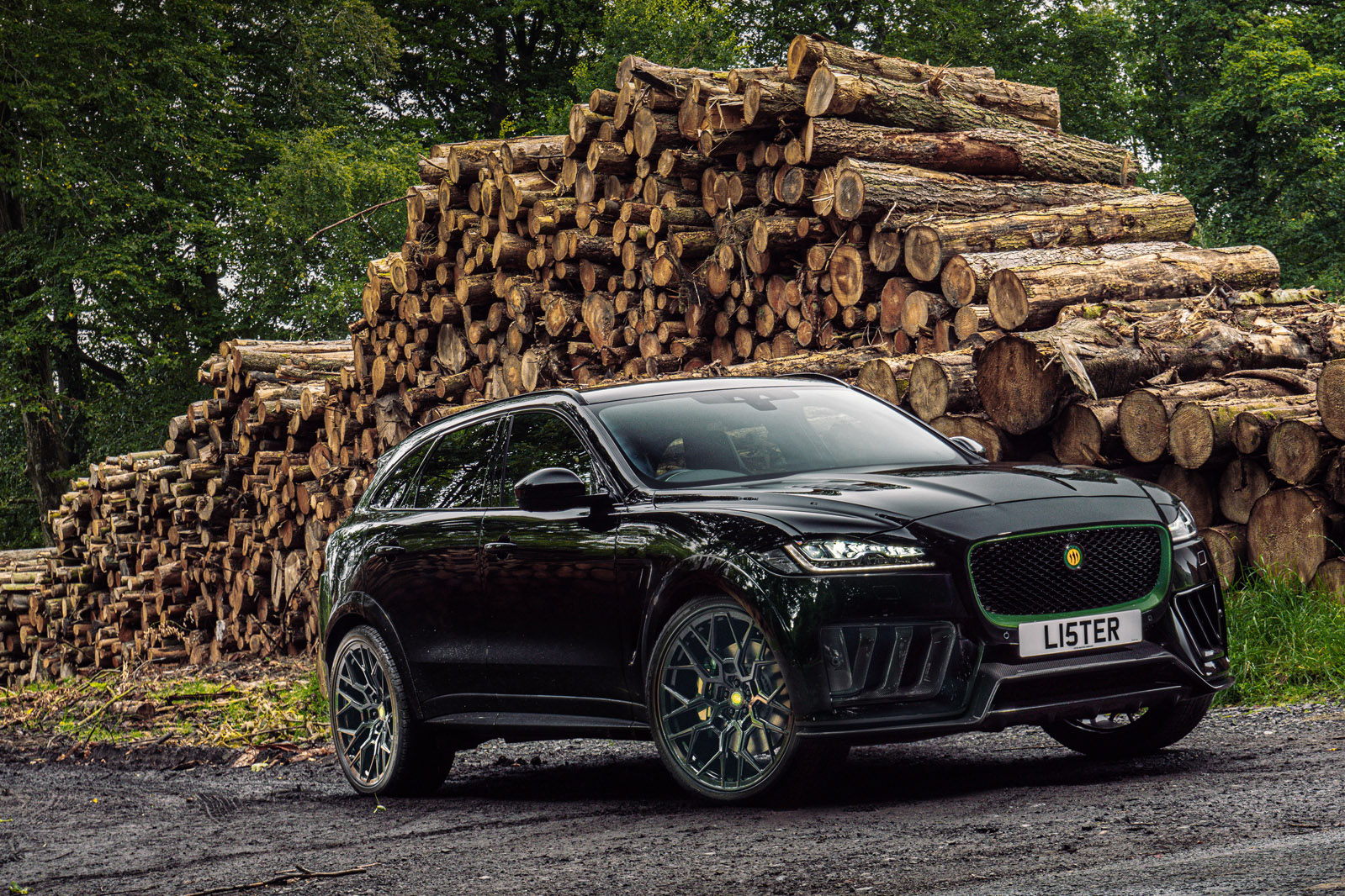 lister stealth front - Lister reveals 666bhp Stealth as Britain's fastest SUV - Lister reveals 666bhp Stealth as Britain's fastest SUV