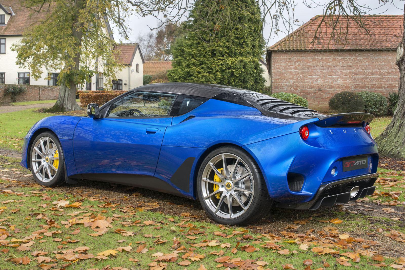 https://www.autocar.co.uk/sites/autocar.co.uk/files/images/car-reviews/first-drives/legacy/lotus-evora-gt410-sport-january-2018-2.jpg