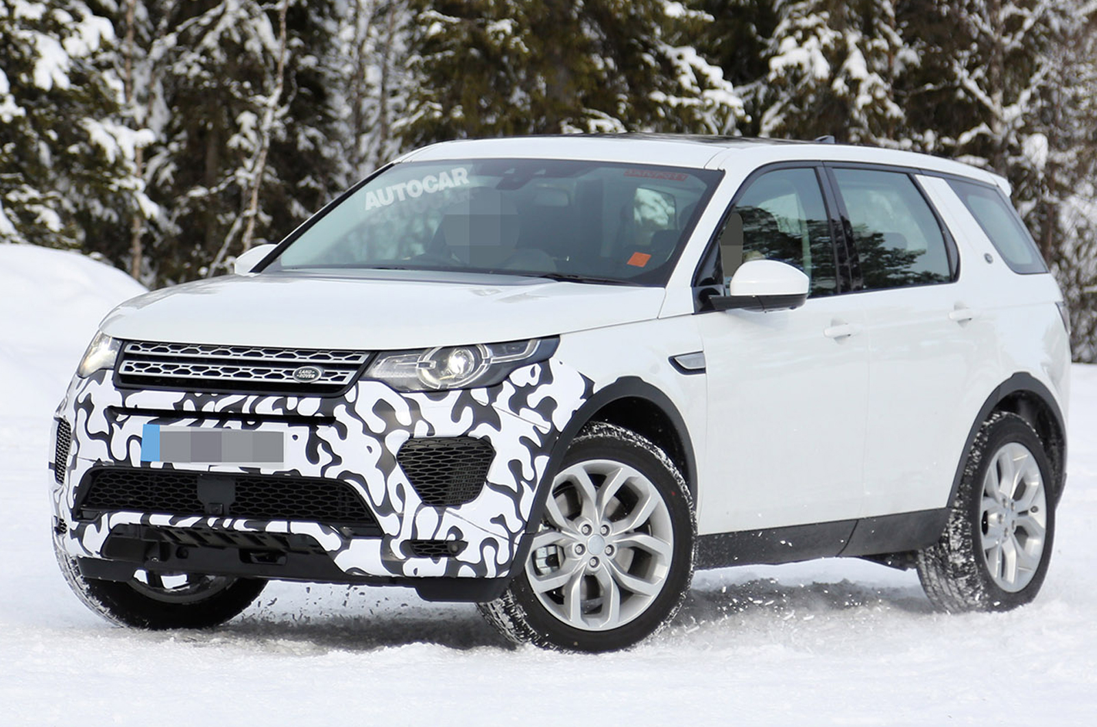 hot land rover discovery sport spied autocar. Black Bedroom Furniture Sets. Home Design Ideas