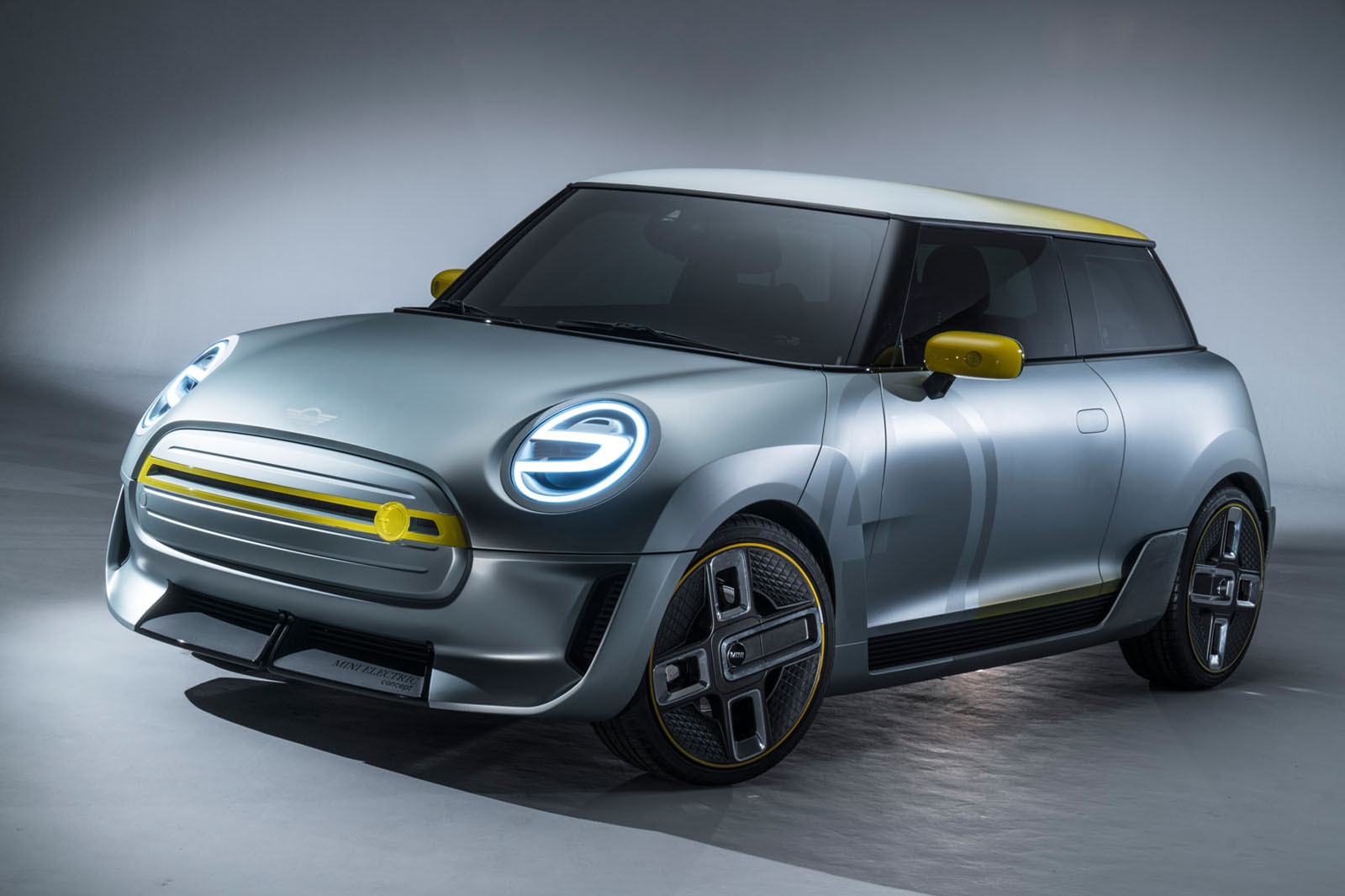 mini unveils concept of first full production electric car. Black Bedroom Furniture Sets. Home Design Ideas