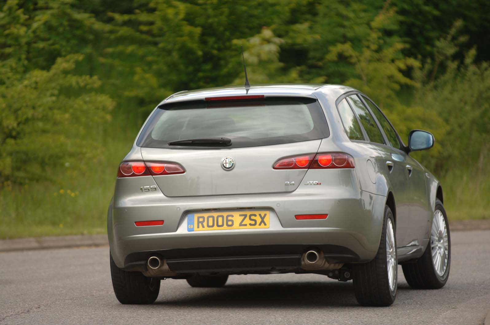 Used Car Buying Guide Alfa Romeo 159 Sportwagon Autocar Transmission Listen For Noise In The Upper Gears Caused By Worn Bearings Gearbox End Case If You Hear Clunking On A Diesel As Let Clutch