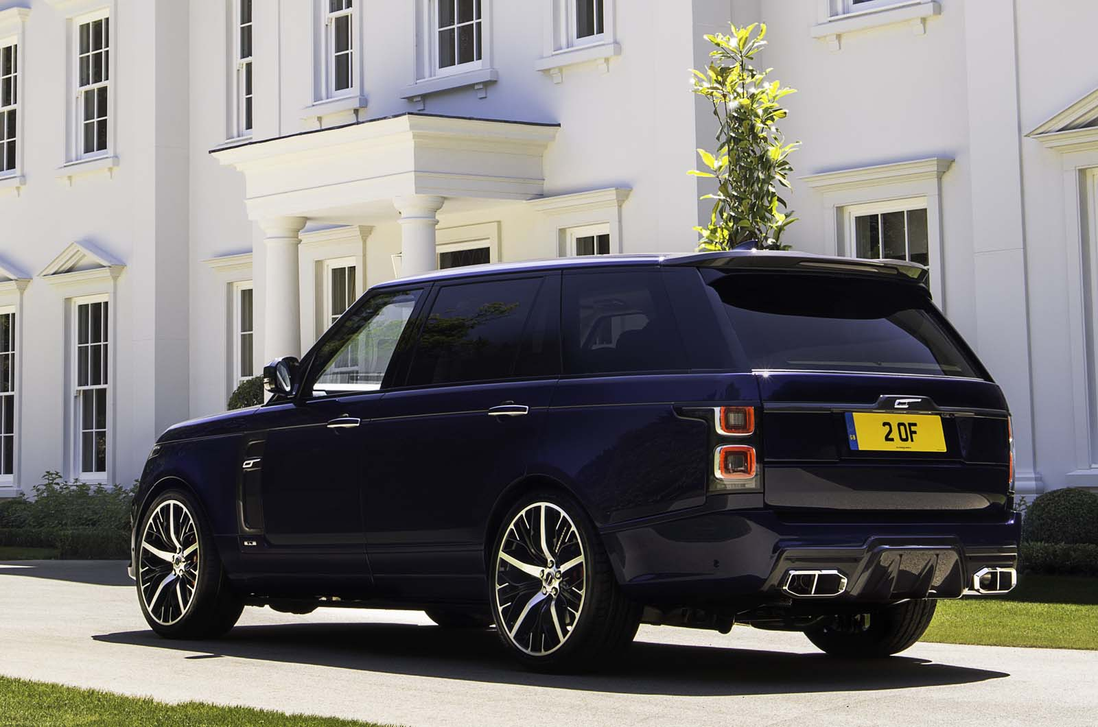 New Overfinch Range Rover Adds Carbonfibre And Ostrich Upholstery