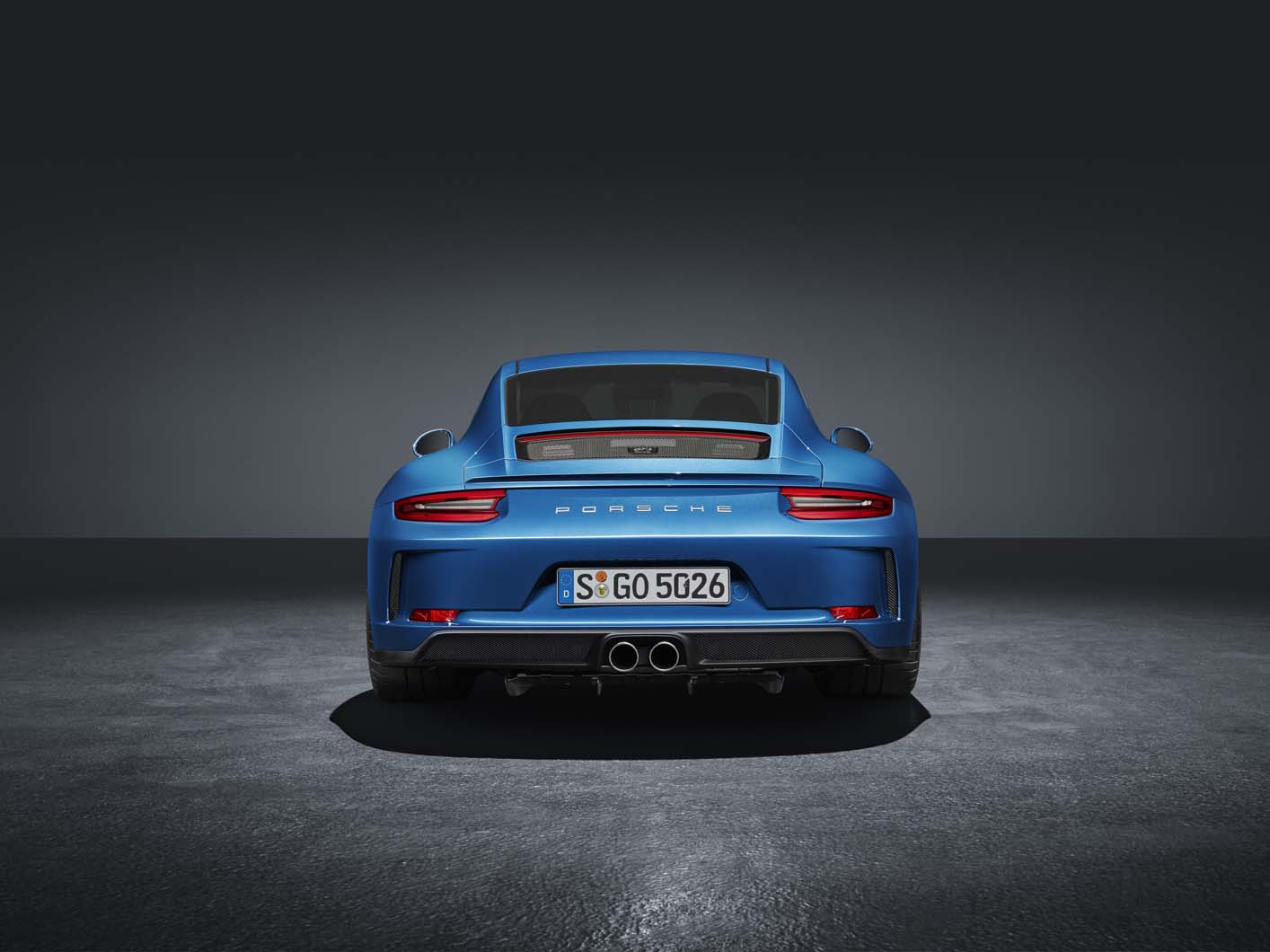 Porsche 911 gt3 rs review 2017 autocar - In A Further Departure From The Standard 911 Gt3 The Internal Headlight Graphics And Tail Light Lenses Are Darkened In Colour