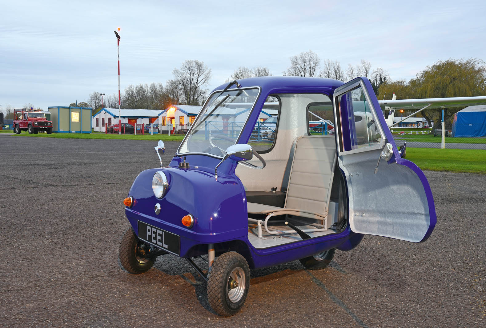 peel p50 crash images galleries with. Black Bedroom Furniture Sets. Home Design Ideas