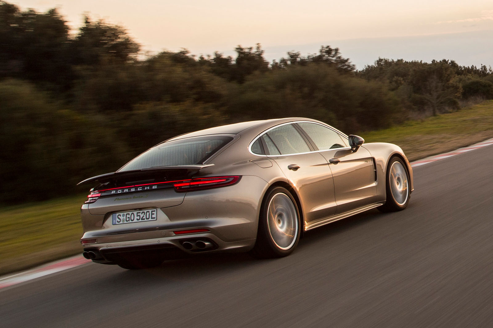 2017 porsche panamera turbo s e hybrid revealed autocar. Black Bedroom Furniture Sets. Home Design Ideas