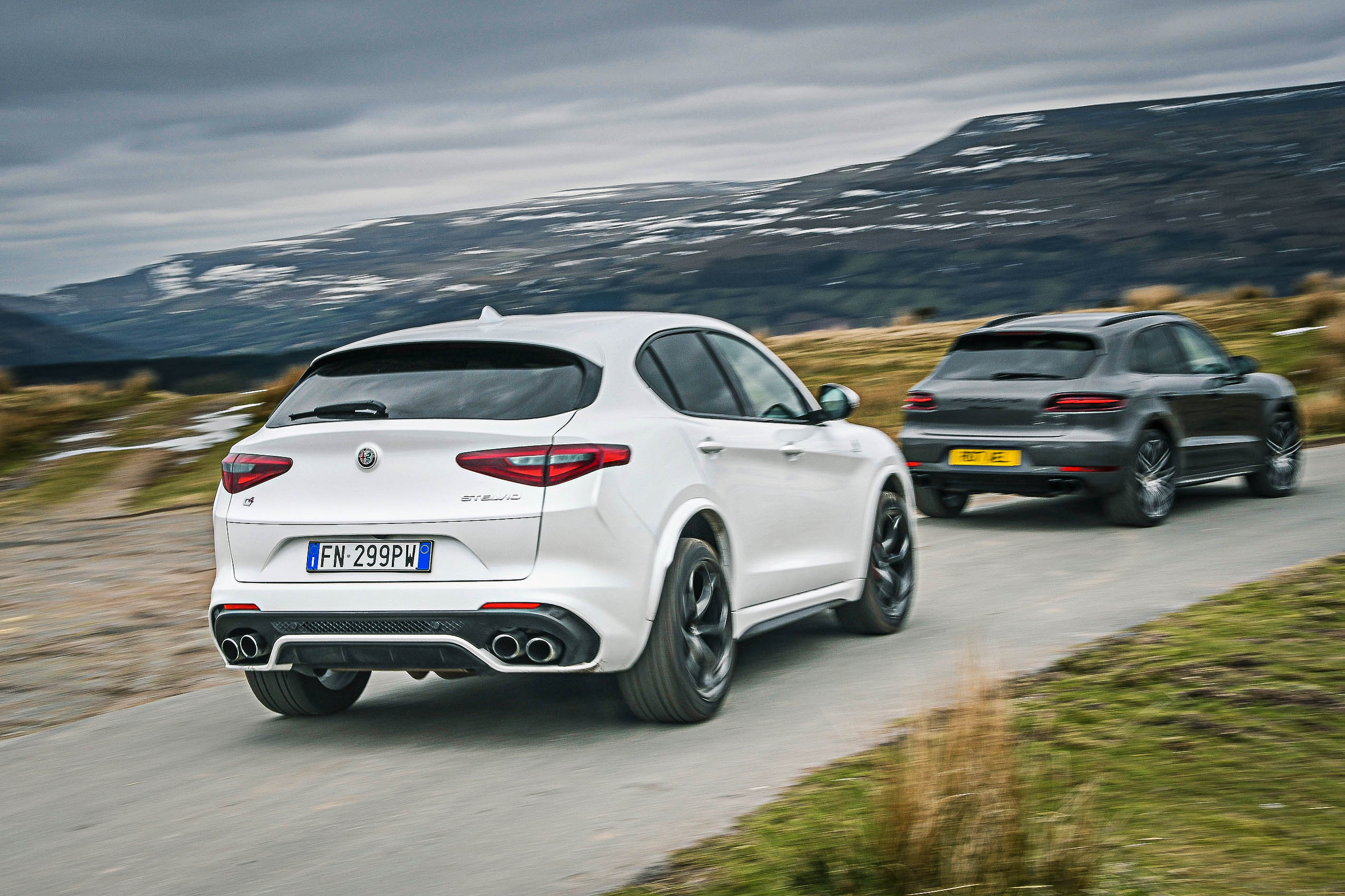 Alfa Romeo Stelvio Vs Porsche Macan: Hot SUV Showdown