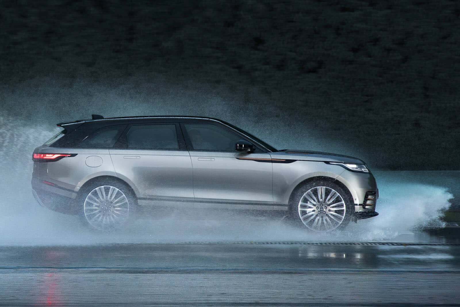 Evoque Interior 2017 >> Range Rover Velar revealed: price, specs & interior | Autocar