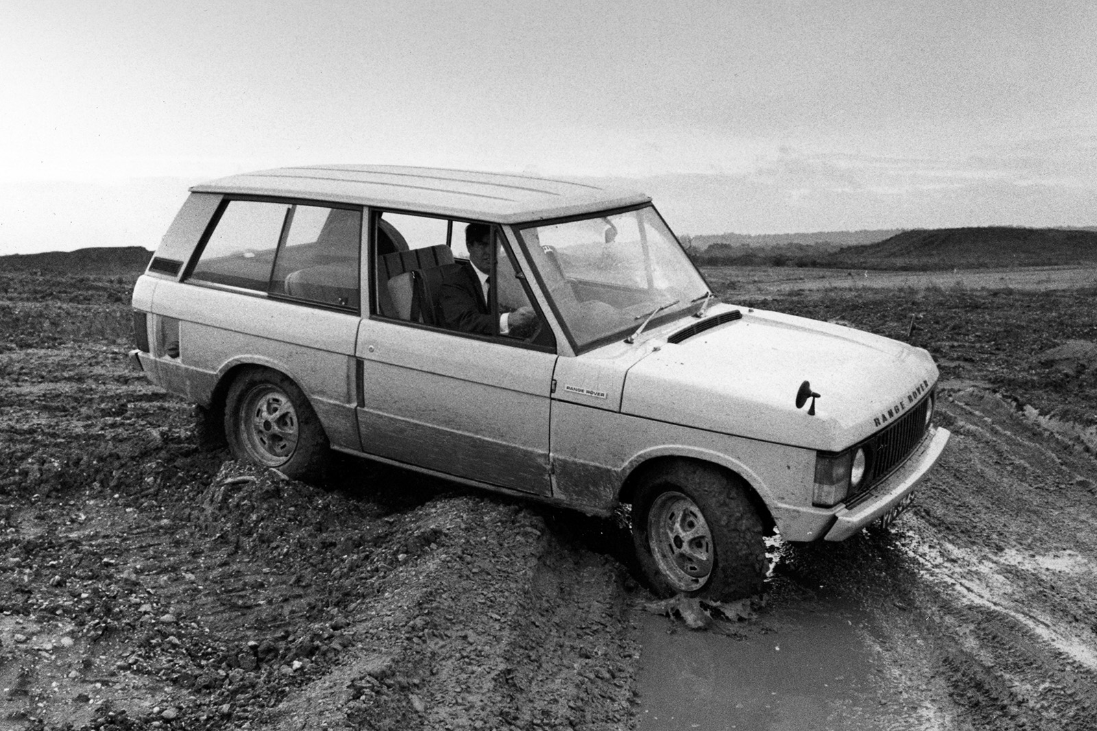Range Rover Mk1 1970 Retro Road Test Autocar Transmission Fluid Comment Why The New Needed A Plug In Hybrid Variant