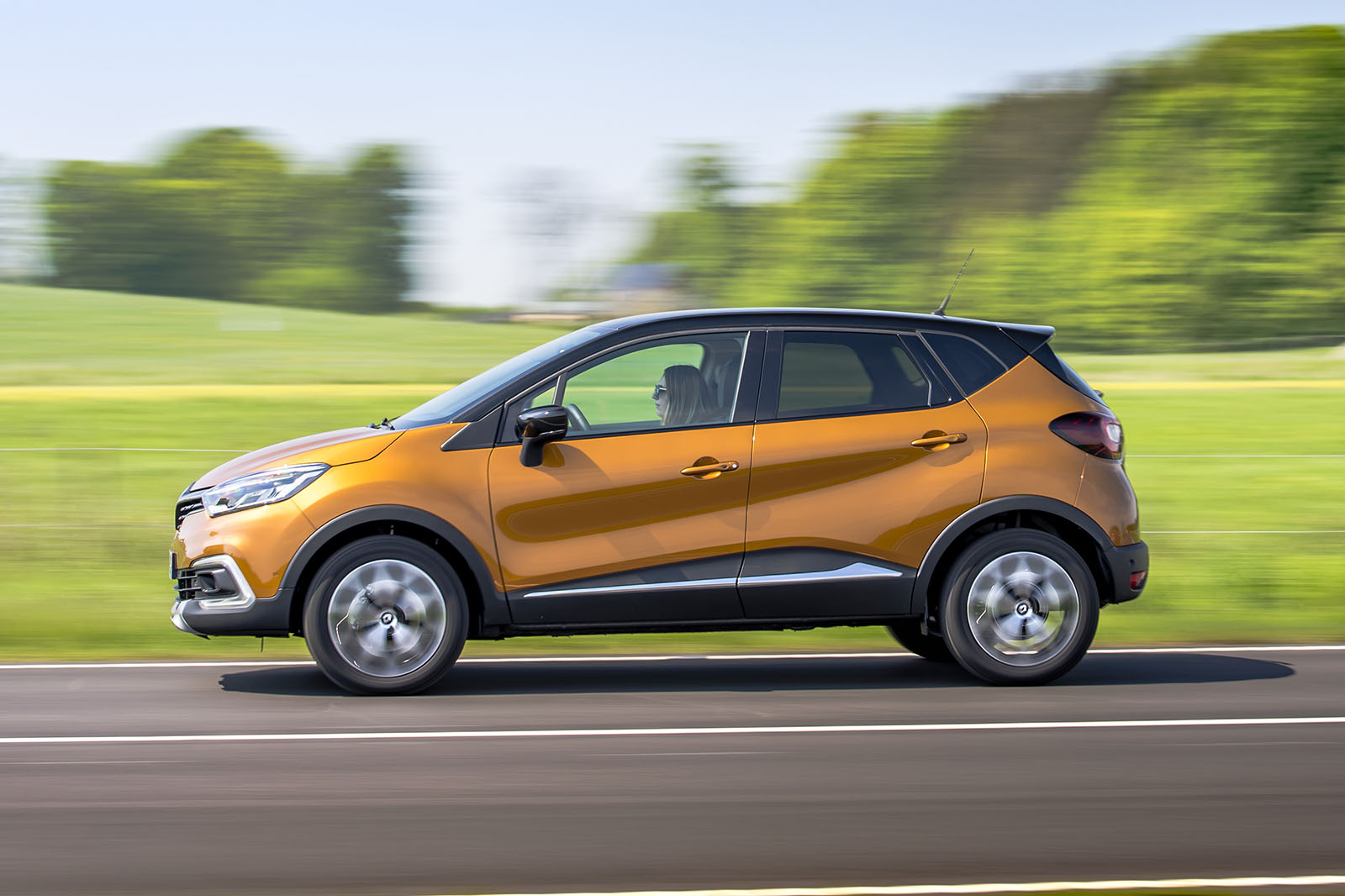 Renault Captur Signature S Nav Tce 120 2017 Review Autocar Car Fuse Box Uk The Refresh Doesnt Include Huge Drawer Like Glovebox Standard On Left Hand Drive Fusebox Prevents Its Inclusion Right Drivers Or A