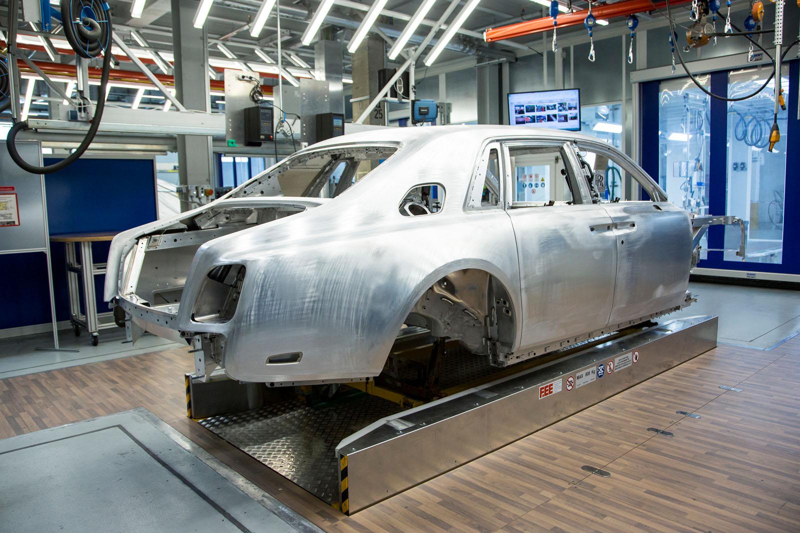insight: behind the scenes of the 2018 rolls-royce phantom | autocar