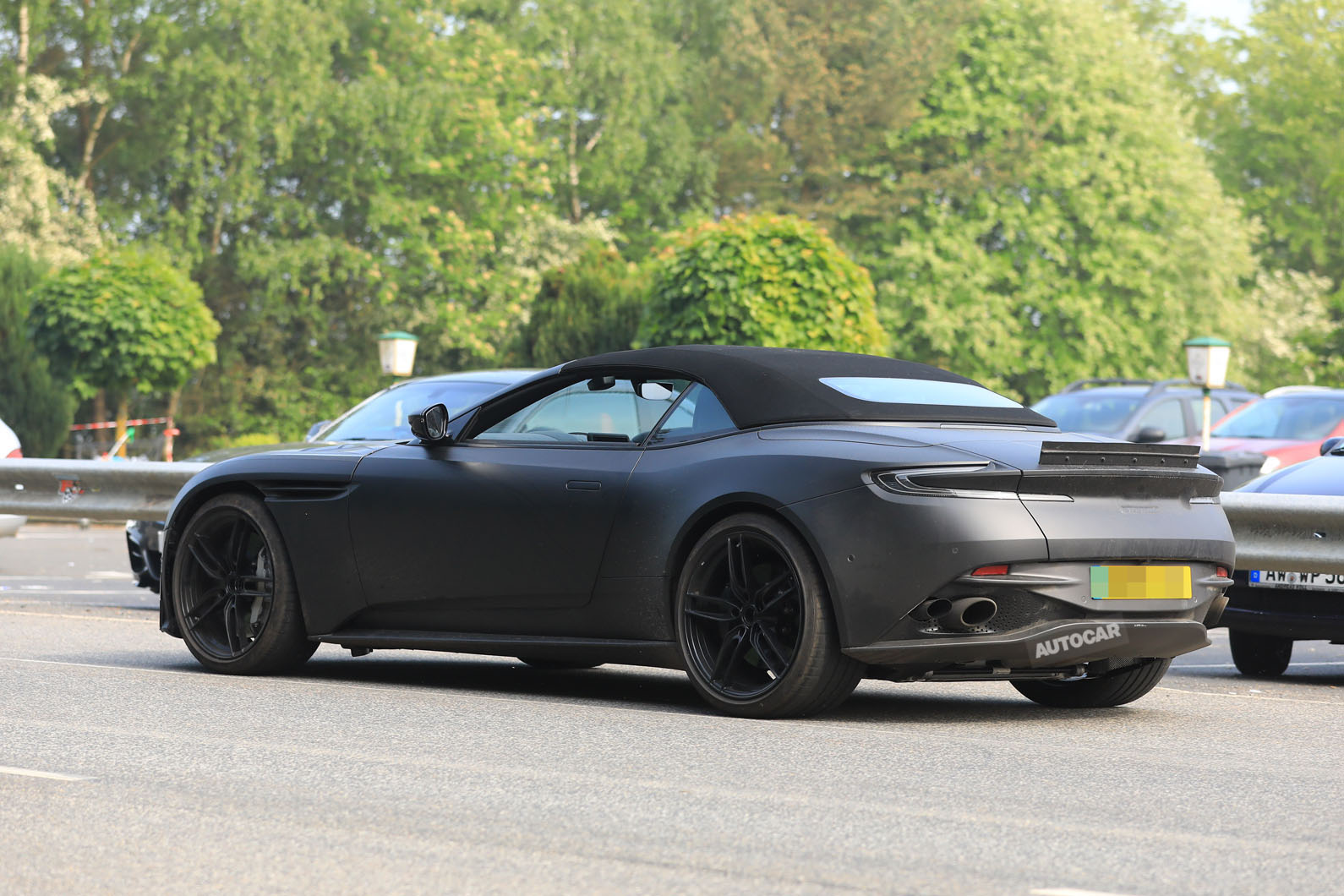 700bhp Aston Martin Dbs Superleggera New Footage Of Volante Drop