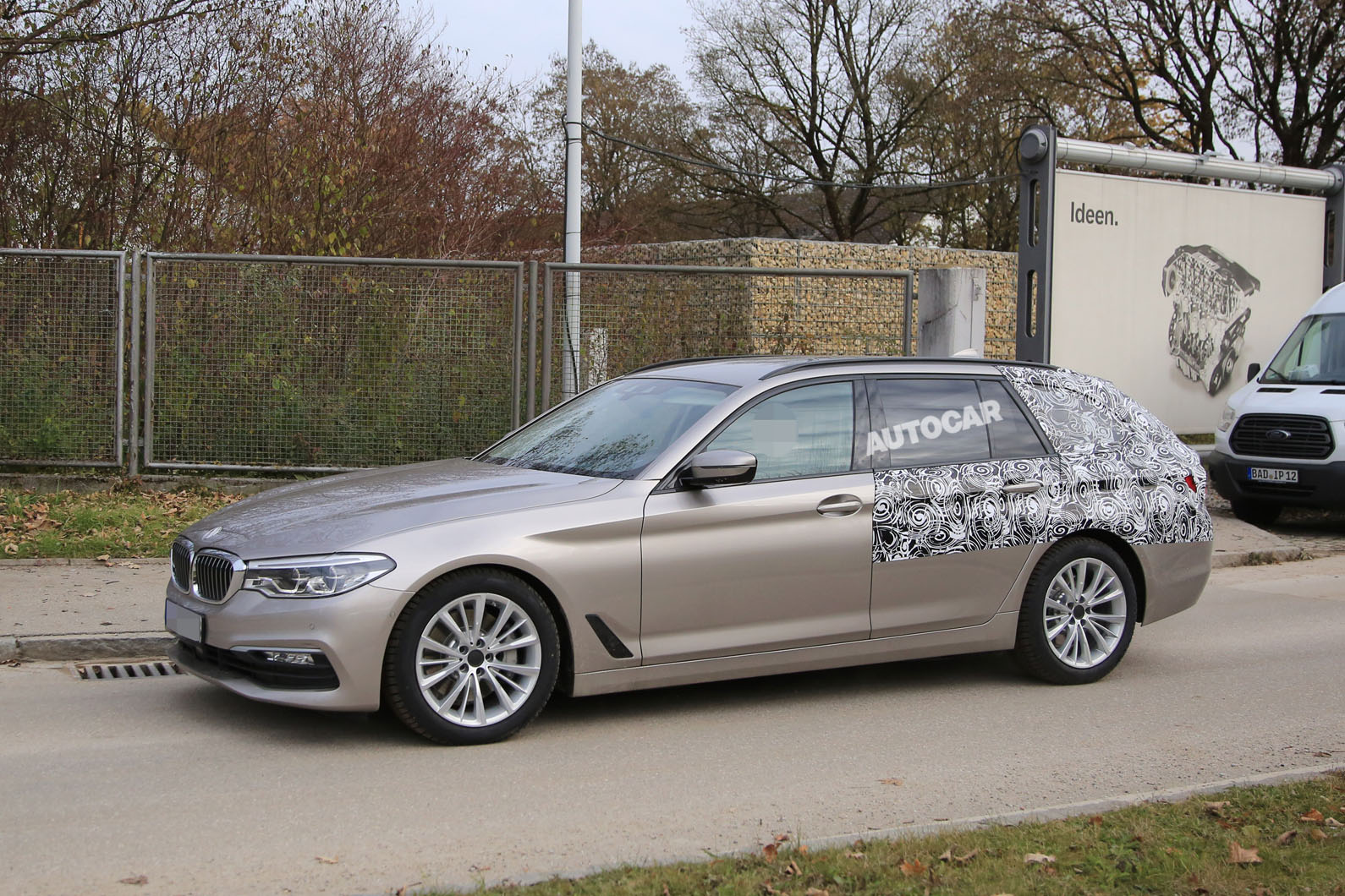 2017 bmw 5 series touring spotted almost undisguised autocar. Black Bedroom Furniture Sets. Home Design Ideas