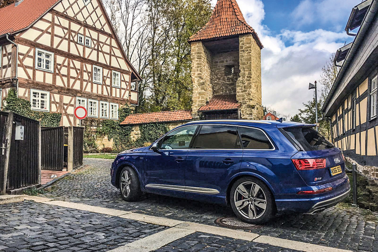 audi sq7 long term test review a road trip to france autocar. Black Bedroom Furniture Sets. Home Design Ideas