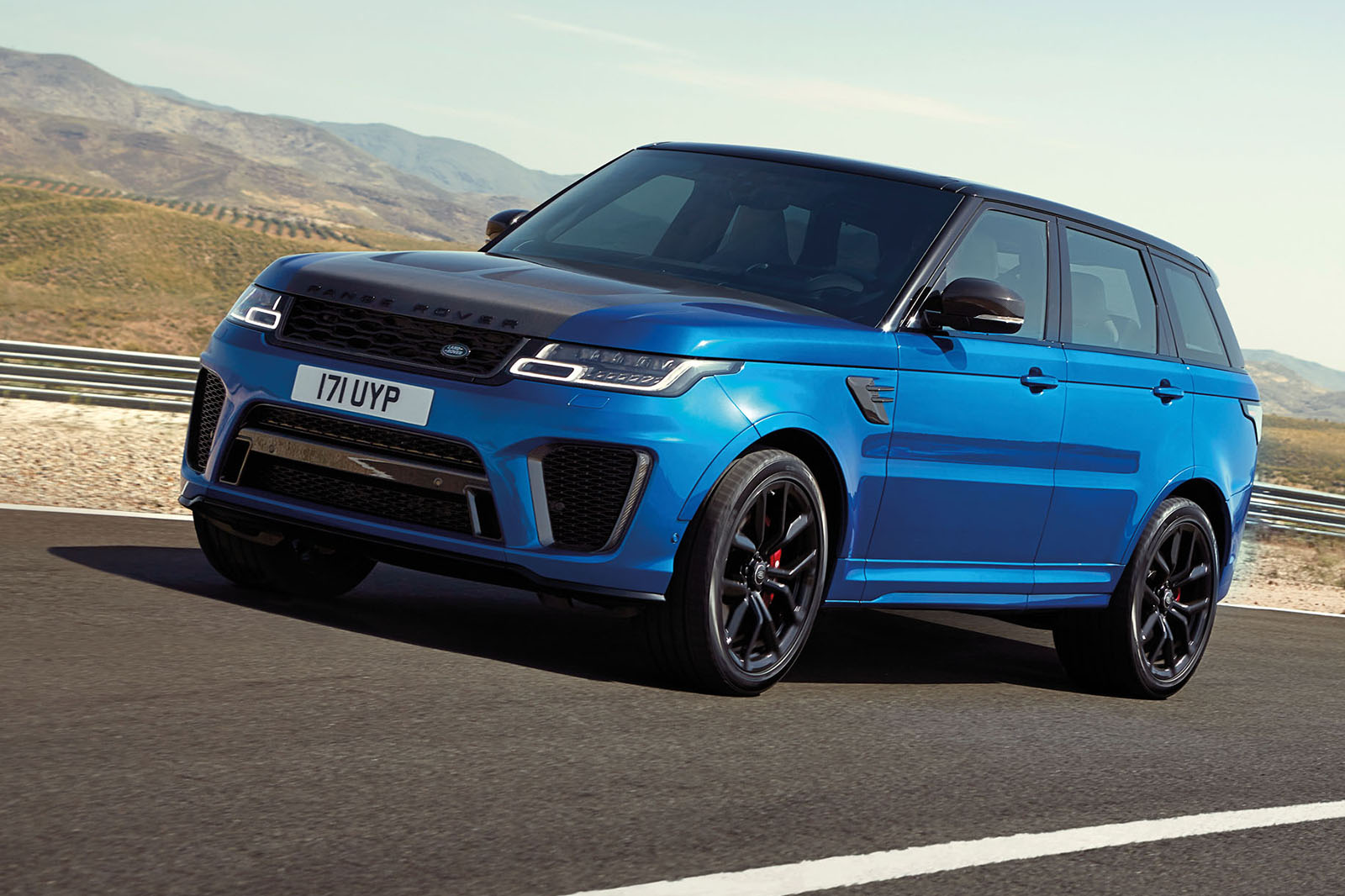 range rover sport svr and hybrid lead revised model range. Black Bedroom Furniture Sets. Home Design Ideas