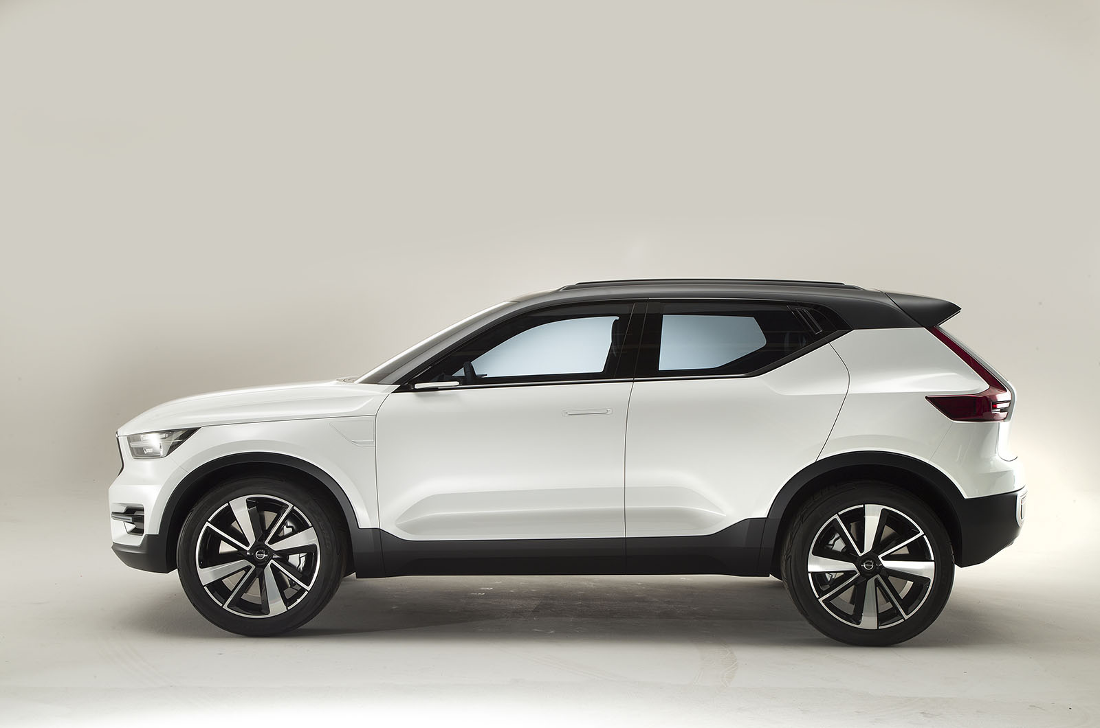 volvo xc40 examined in detail ahead of geneva debut autocar. Black Bedroom Furniture Sets. Home Design Ideas