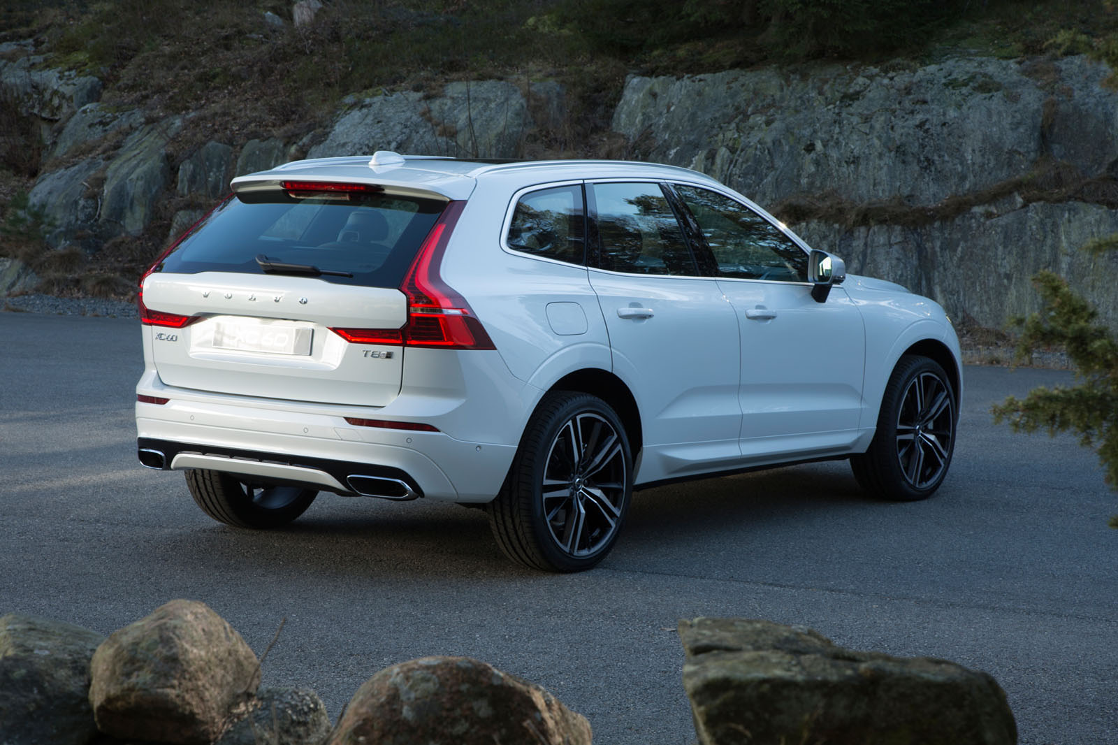 2017 Volvo Xc60 Set To Take On Jaguar F Pace Autocar