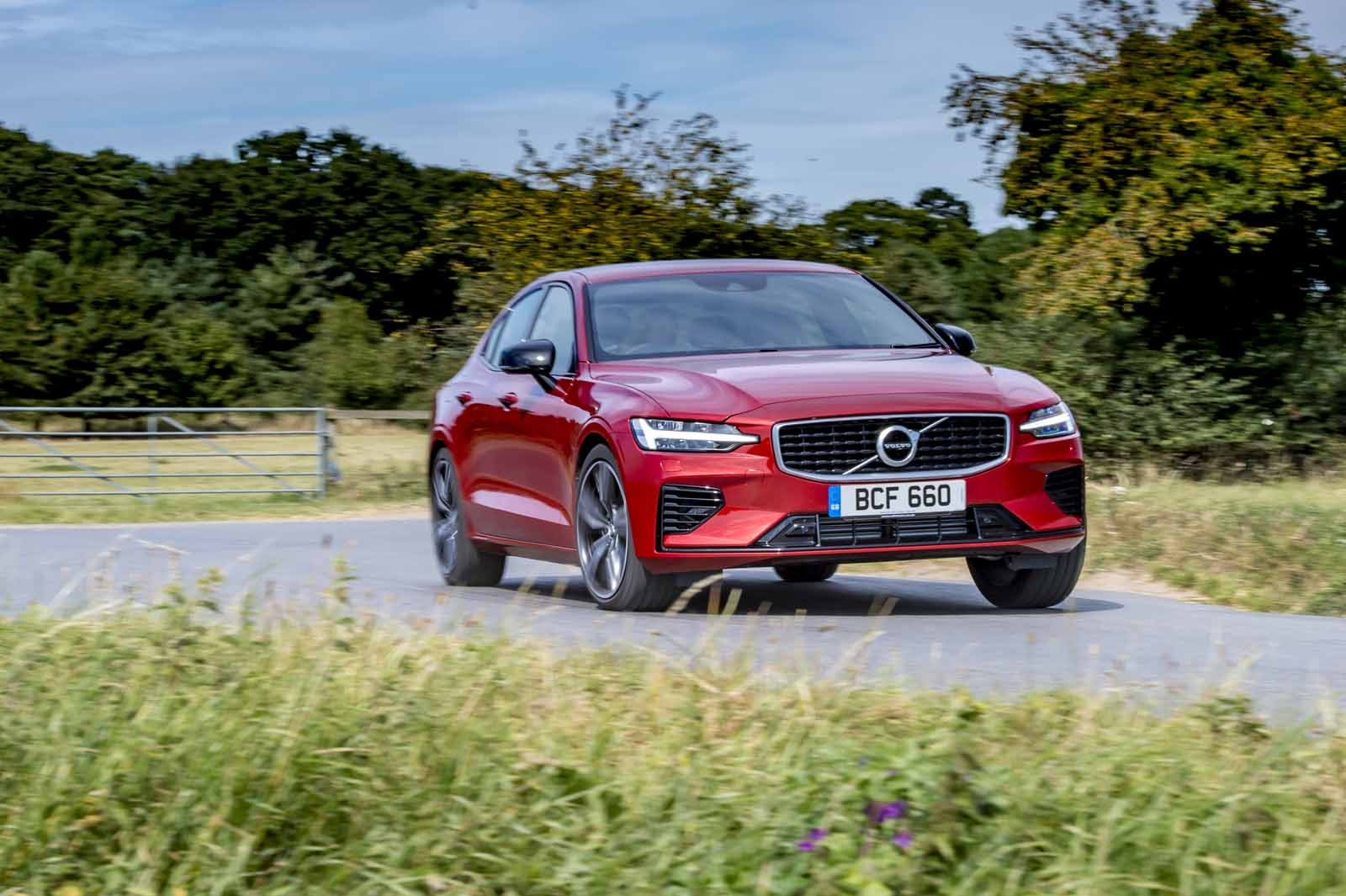 Volvo S60 T8 Twin Engine 2019 Uk Review Review