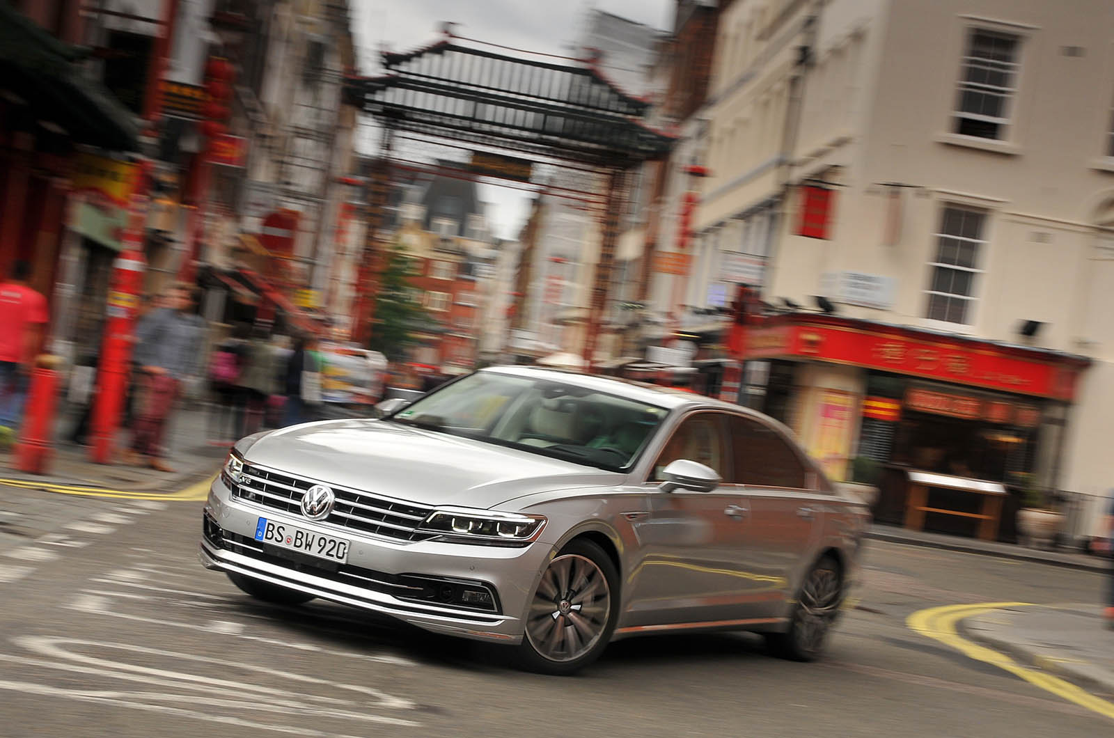 Volkswagen Phideon - would China's Phaeton work in Britain ...