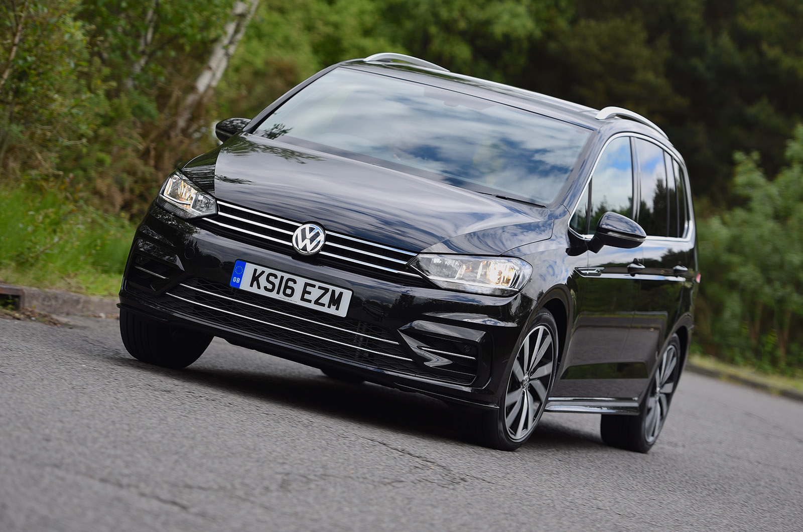 Volkswagen touran 2 0 tdi r line review review autocar