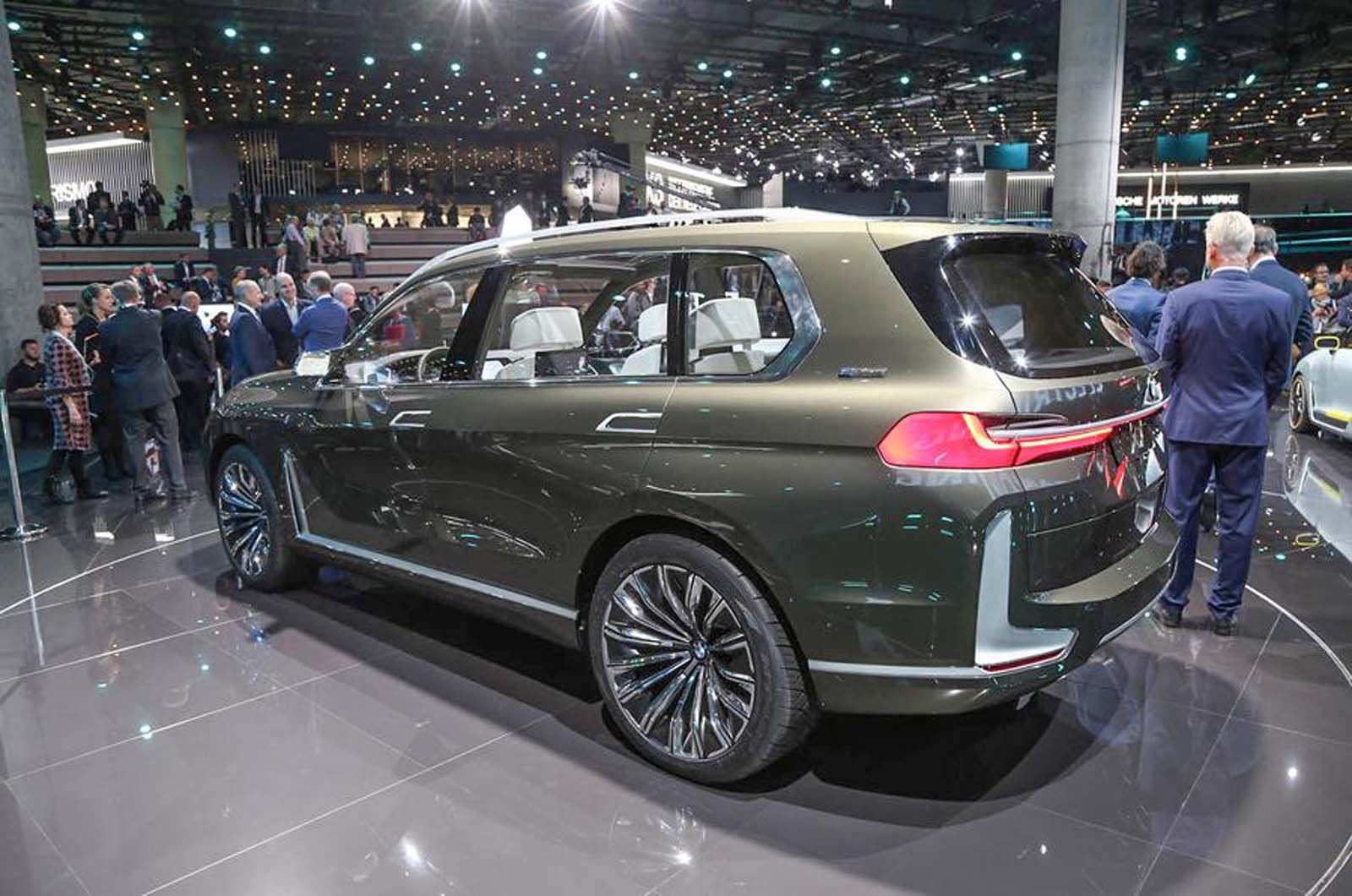 Bmw Ramps Up Plans To Expand I Range With Electric Suvs