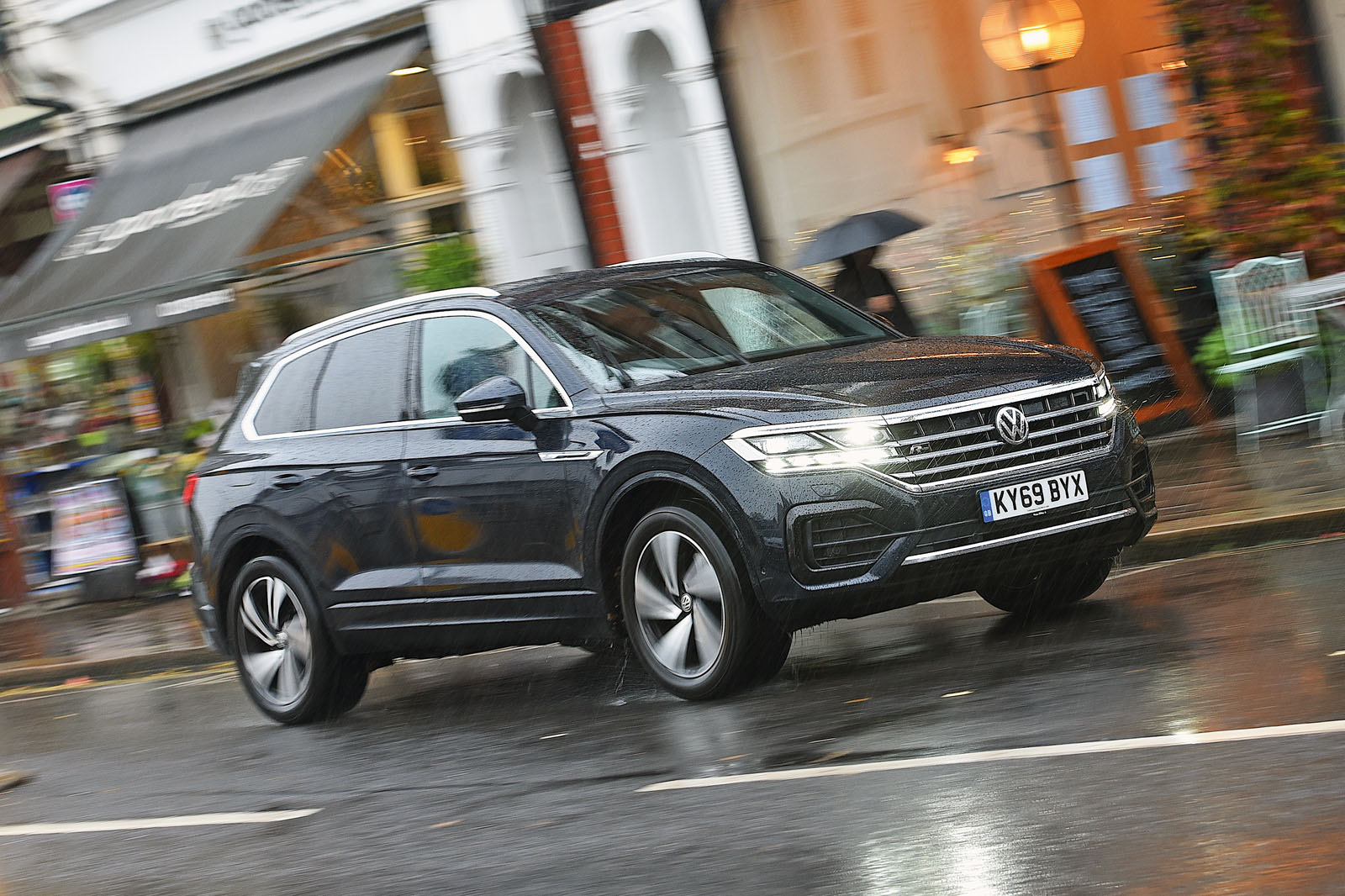 volkswagen touareg 2020 long term review four months with vw s flagship suv autocar volkswagen touareg 2020 long term review autocar