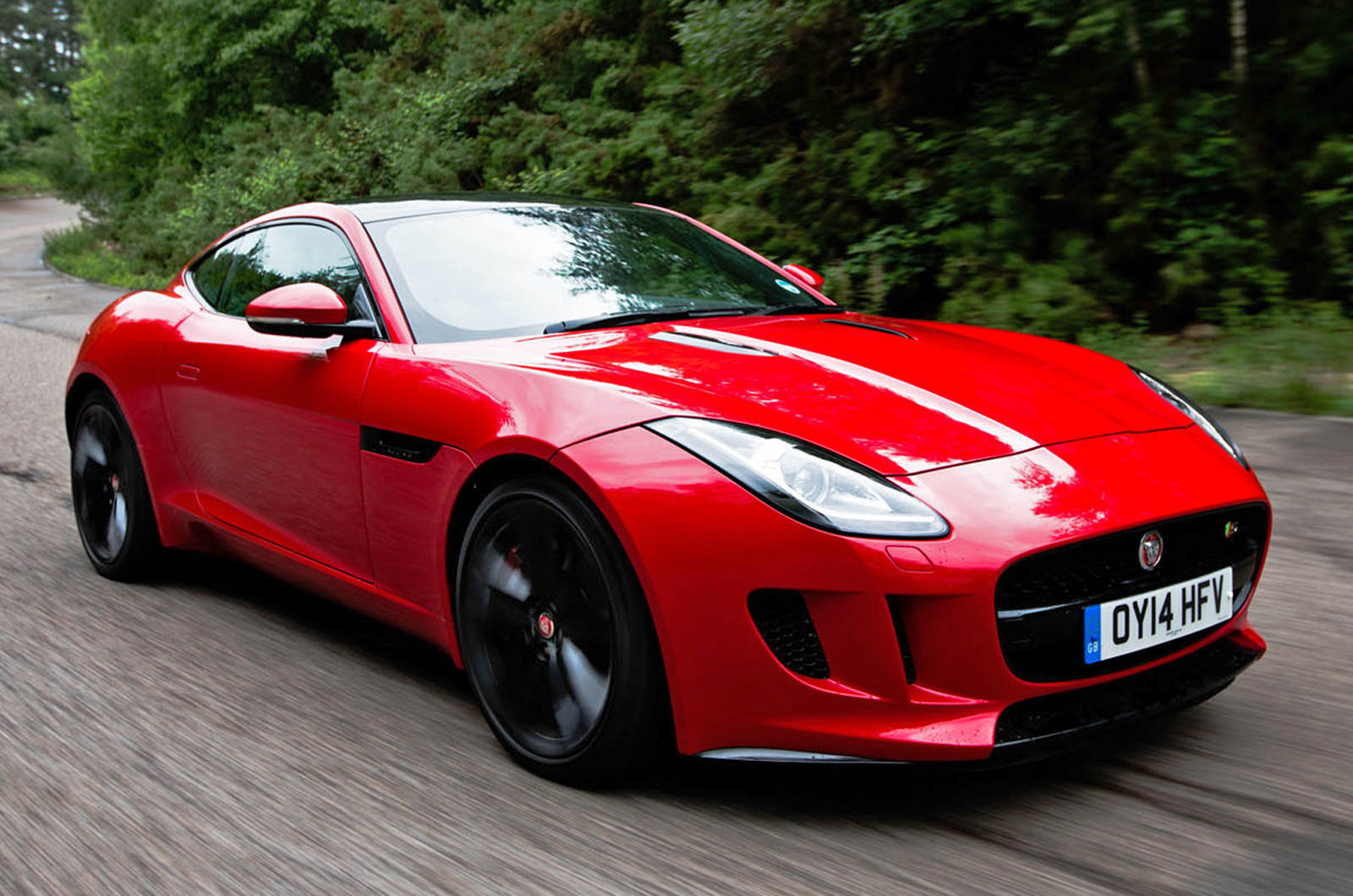 the jaguar f type gets a four cylinder engine for 2018. Black Bedroom Furniture Sets. Home Design Ideas