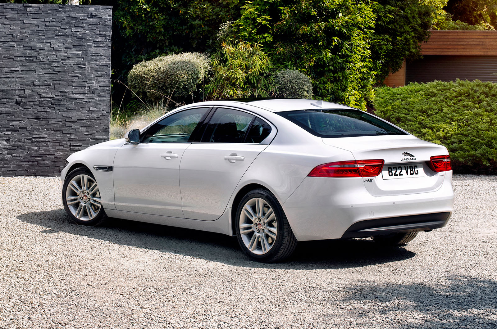 new jaguar xe to cost from 26 995 autocar. Black Bedroom Furniture Sets. Home Design Ideas