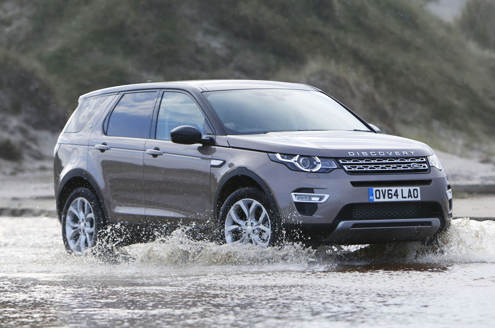 land rover discovery sport forum land rover discovery sport review by autocar. Black Bedroom Furniture Sets. Home Design Ideas