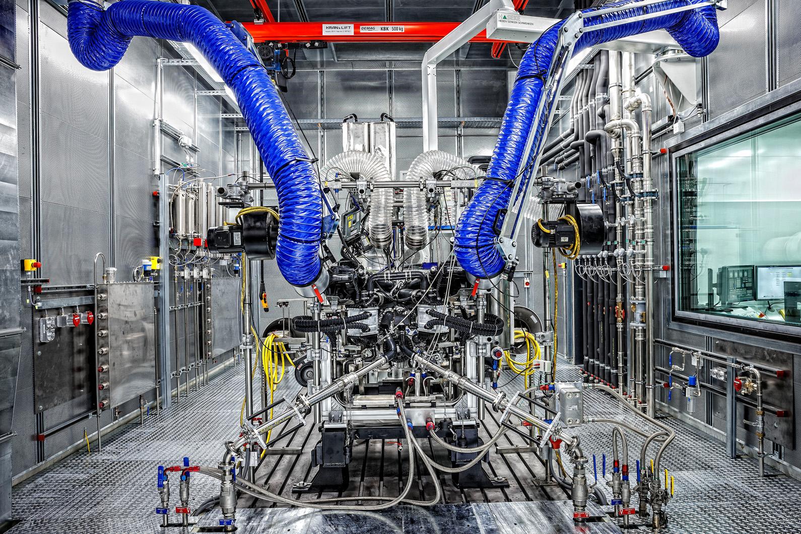 merc-amg-engine-1-0003