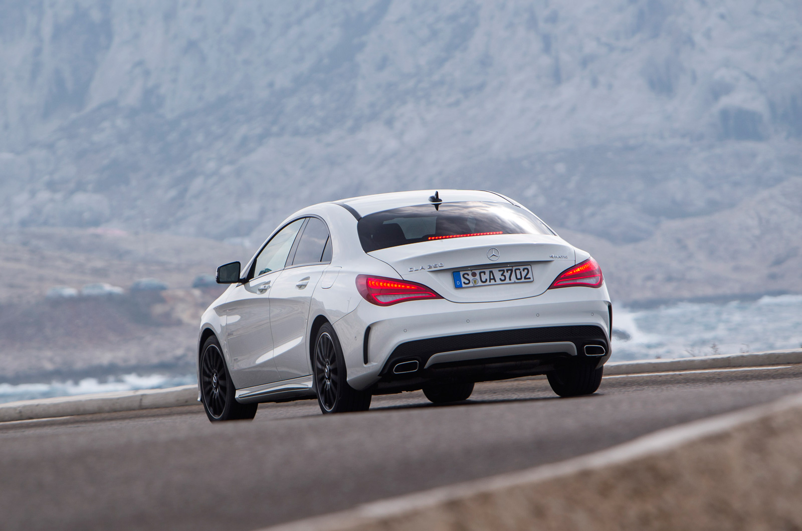 mercedes benz cla220 cdi first drive review review autocar. Black Bedroom Furniture Sets. Home Design Ideas