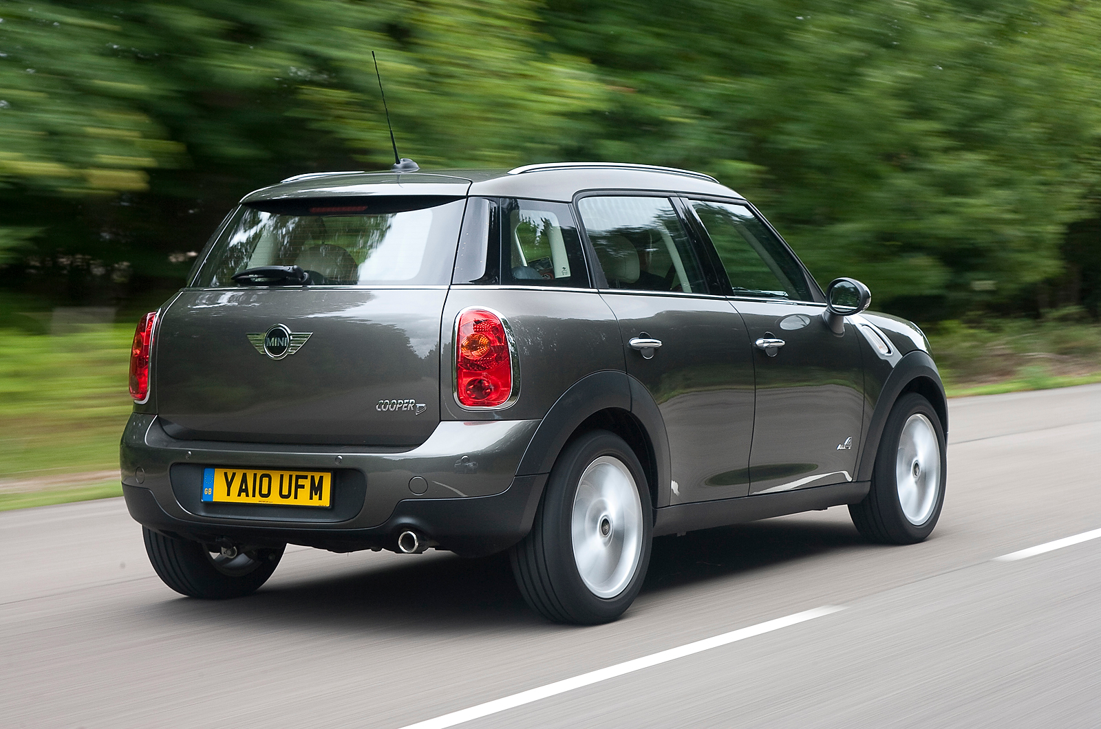 2015 mini cooper countryman quality review release date price and specs. Black Bedroom Furniture Sets. Home Design Ideas