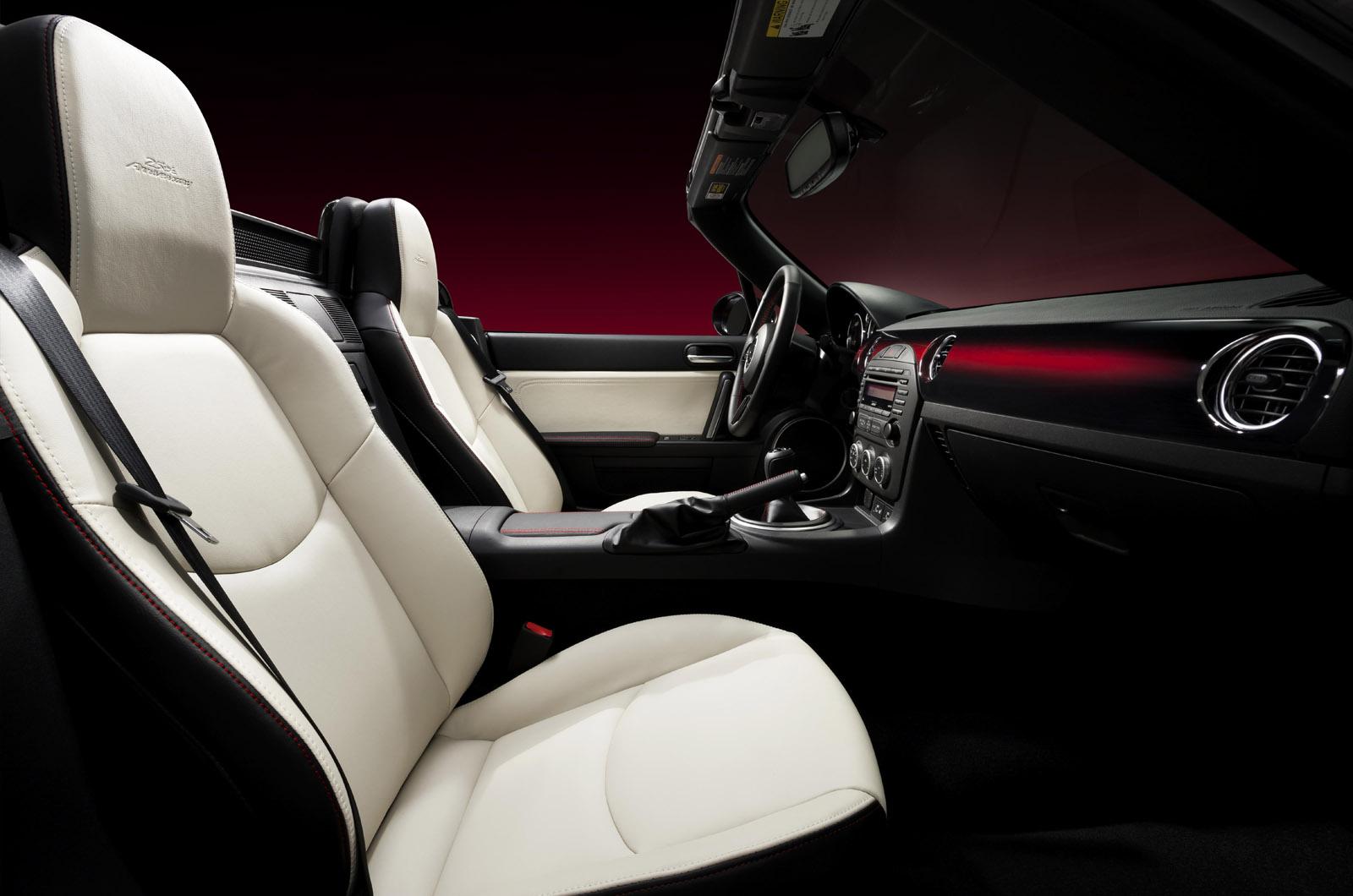 [Mazda] MX-5 Facelift - Page 3 Mx-5-ny009ss