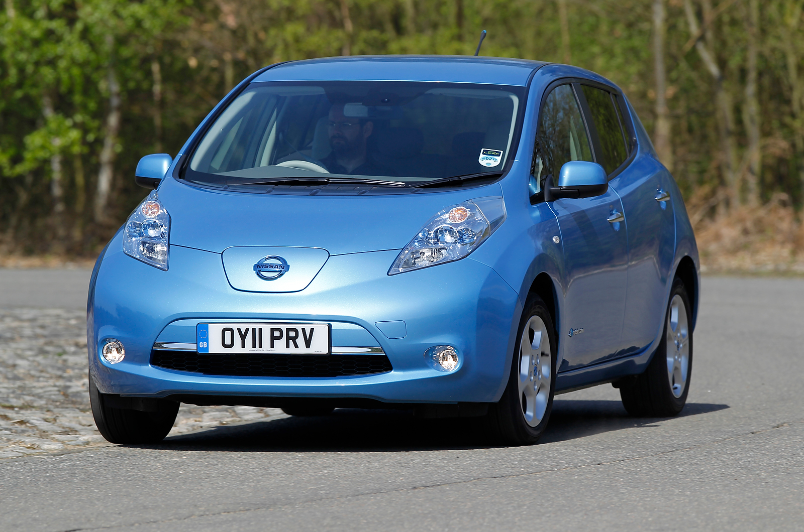 nissan leaf price review pics specs mileage in autos post. Black Bedroom Furniture Sets. Home Design Ideas