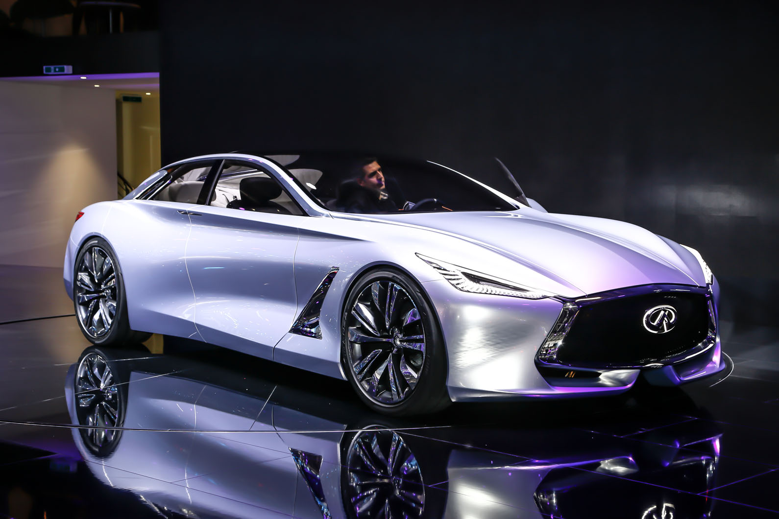 infiniti reveals range topping q80 inspiration concept autocar. Black Bedroom Furniture Sets. Home Design Ideas