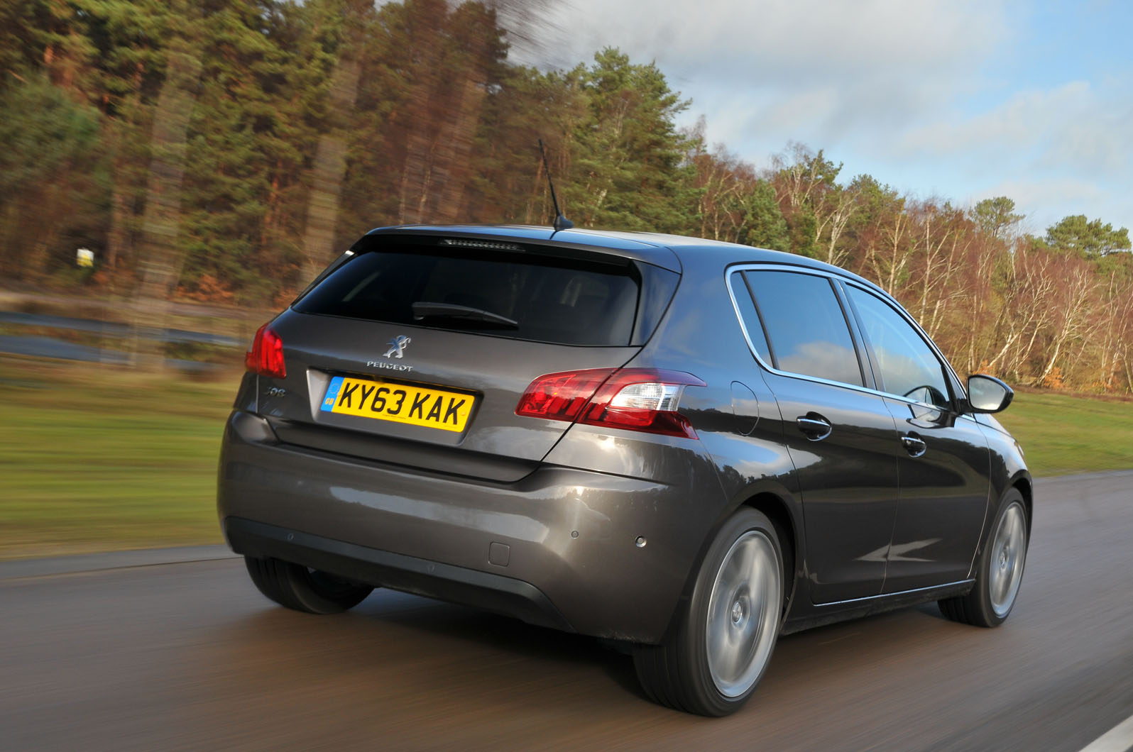 peugeot 308 bluehdi 150 feline first drive review autocar. Black Bedroom Furniture Sets. Home Design Ideas