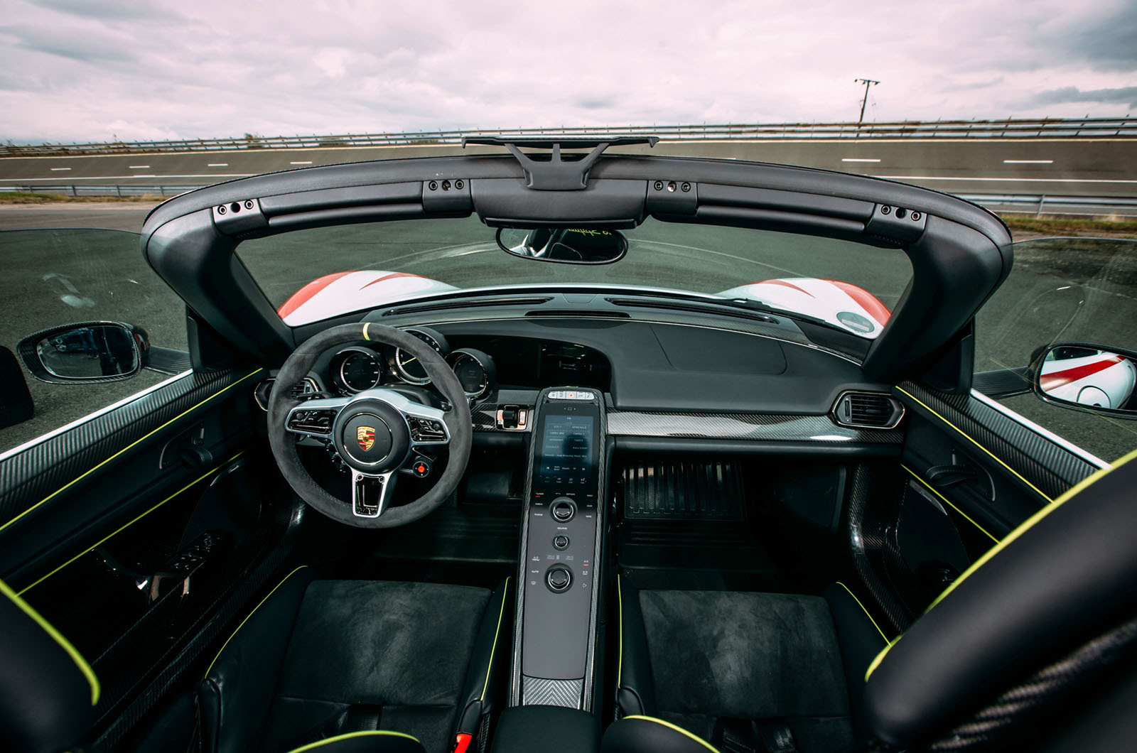 Porsche 918 Spyder 2013-2015 interior | Autocar  Porsche 918 Spyder 2015 Interior