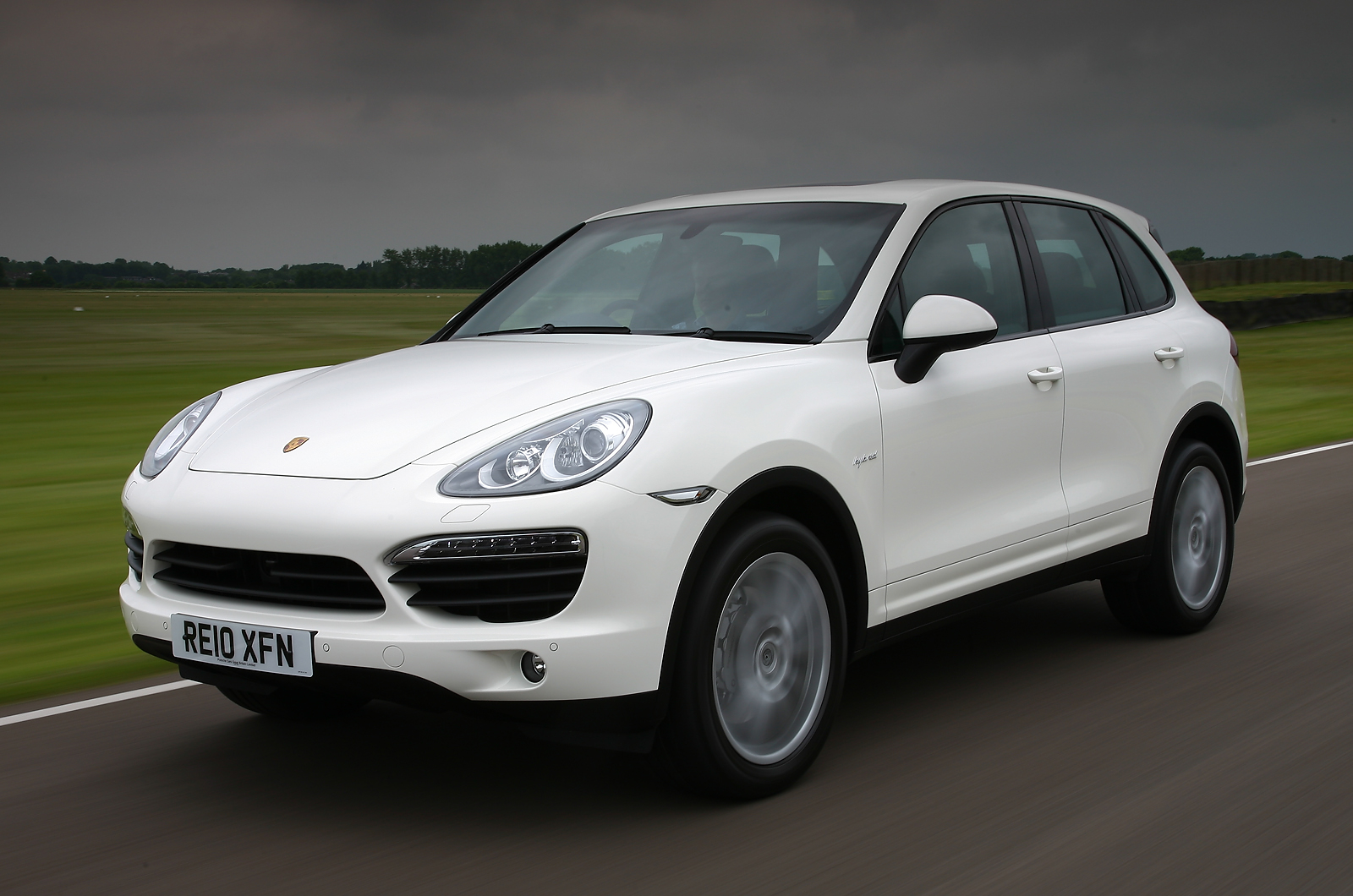 porsche cayenne review autocar. Black Bedroom Furniture Sets. Home Design Ideas