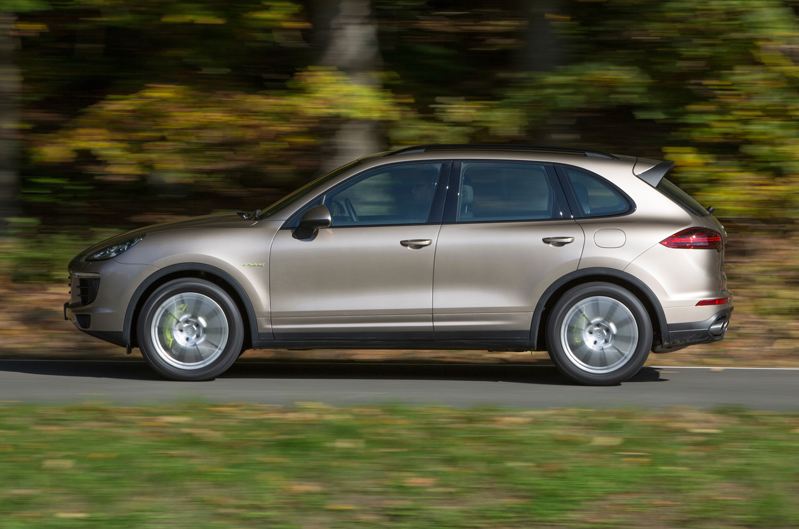 2014 porsche cayenne s e hybrid first drive review autocar. Black Bedroom Furniture Sets. Home Design Ideas