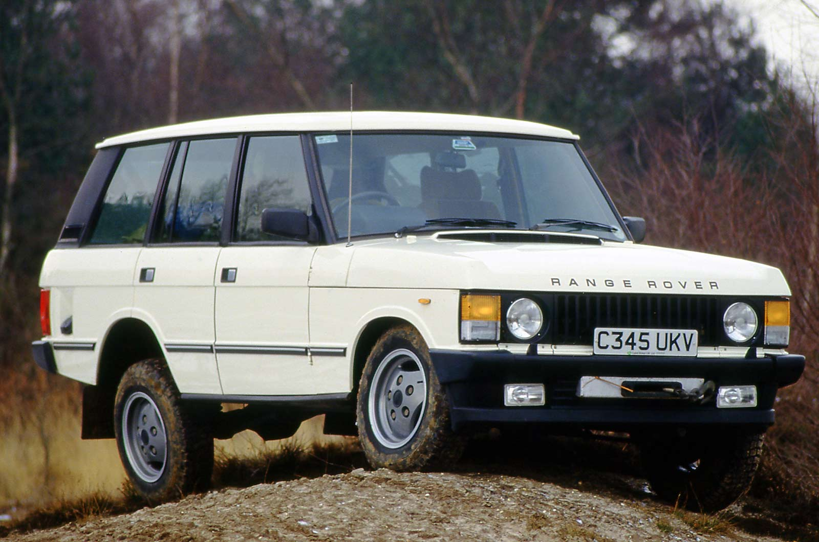 picture special history of the range rover autocar. Black Bedroom Furniture Sets. Home Design Ideas