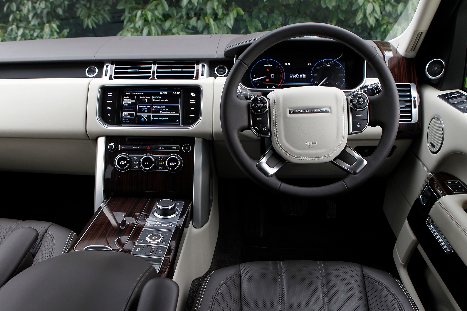 range rover interior autocar. Black Bedroom Furniture Sets. Home Design Ideas