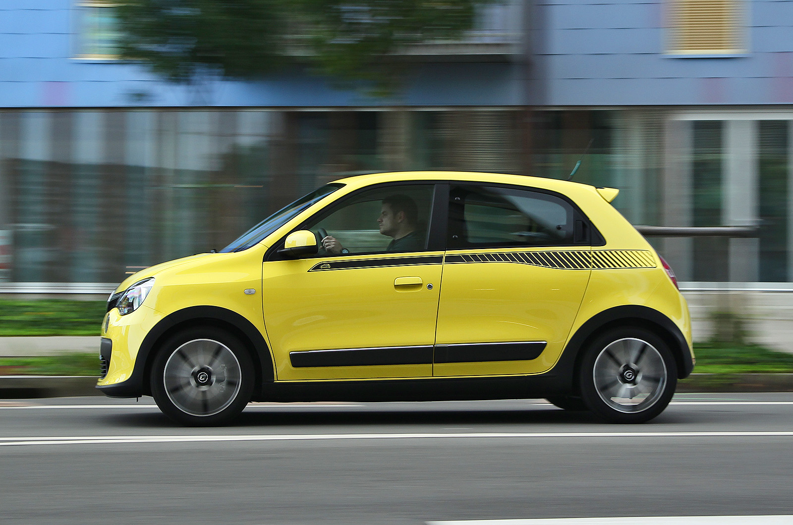 renault twingo tce 90 dynamique first drive. Black Bedroom Furniture Sets. Home Design Ideas