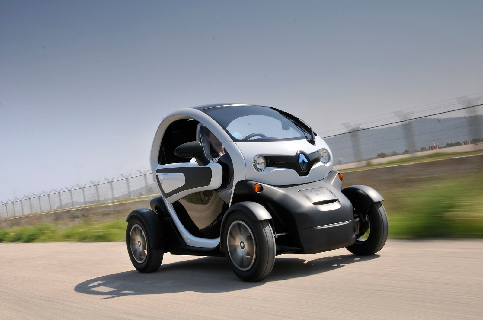 renault twizy review autocar. Black Bedroom Furniture Sets. Home Design Ideas