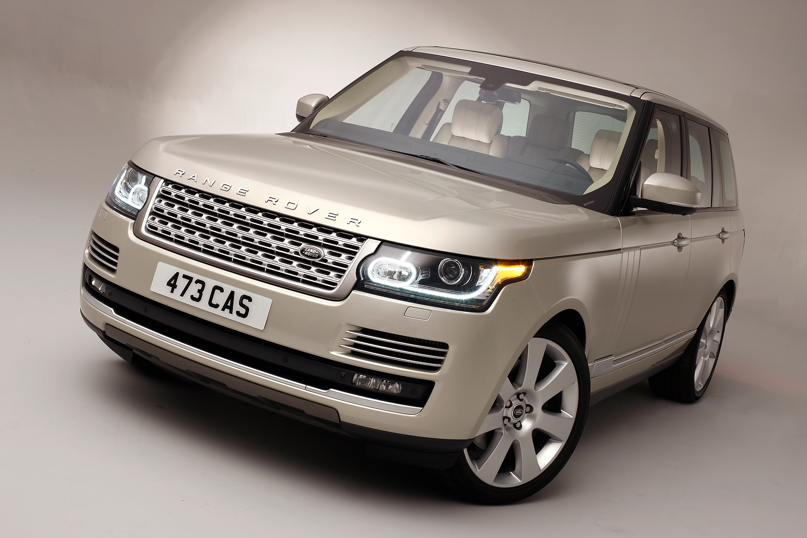 styling cues borrowed from evoque for new range rover. Black Bedroom Furniture Sets. Home Design Ideas