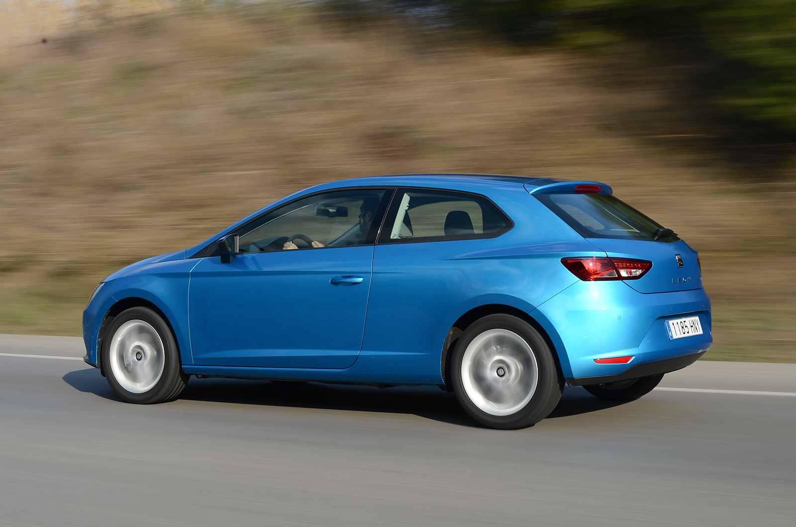 seat leon sc 1 4 tsi 140 first drive review autocar. Black Bedroom Furniture Sets. Home Design Ideas