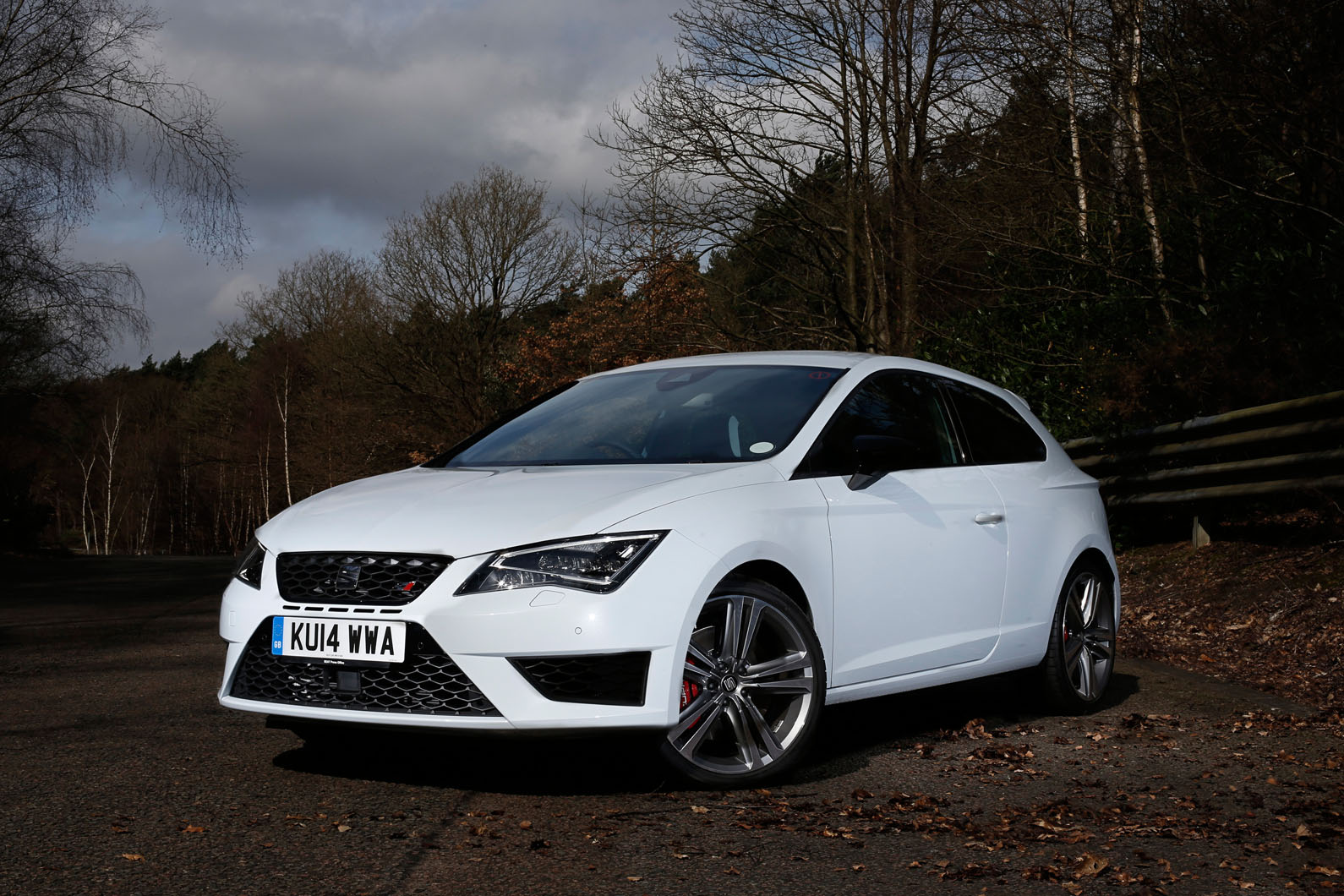 seat leon cupra review autocar. Black Bedroom Furniture Sets. Home Design Ideas