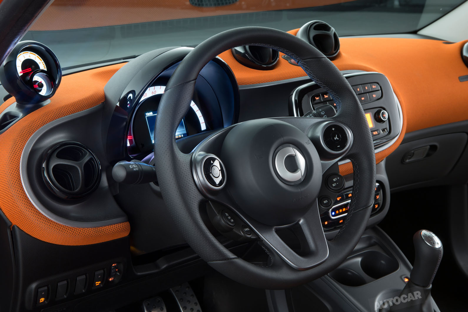 2014 - [Smart] Forfour [W453] - Page 12 Smart-fortwo-forfour-z-t84o05