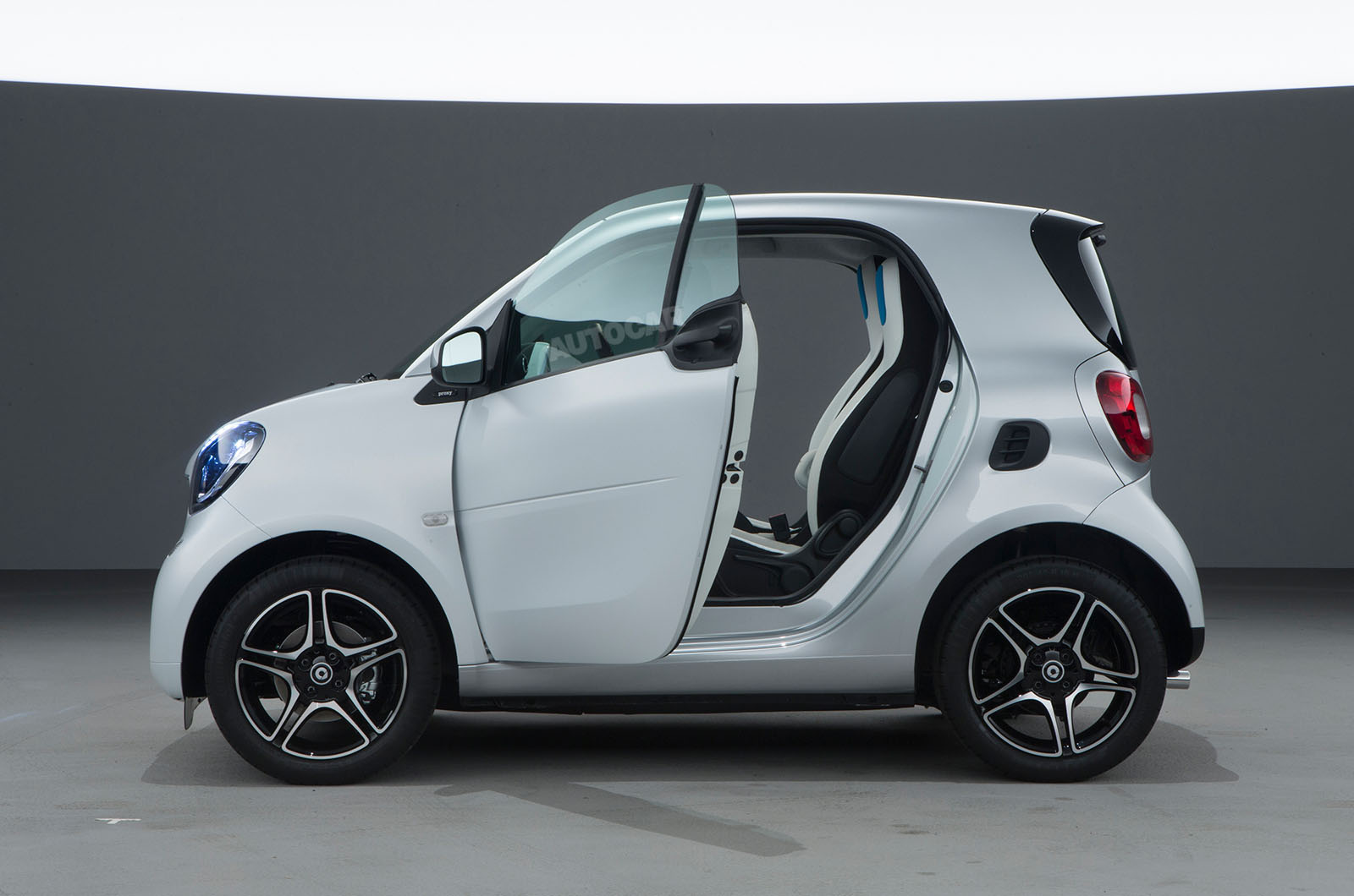 2014 - [Smart] ForTwo III [C453] - Page 18 Smart-fortwo-forfour-z-t84o69